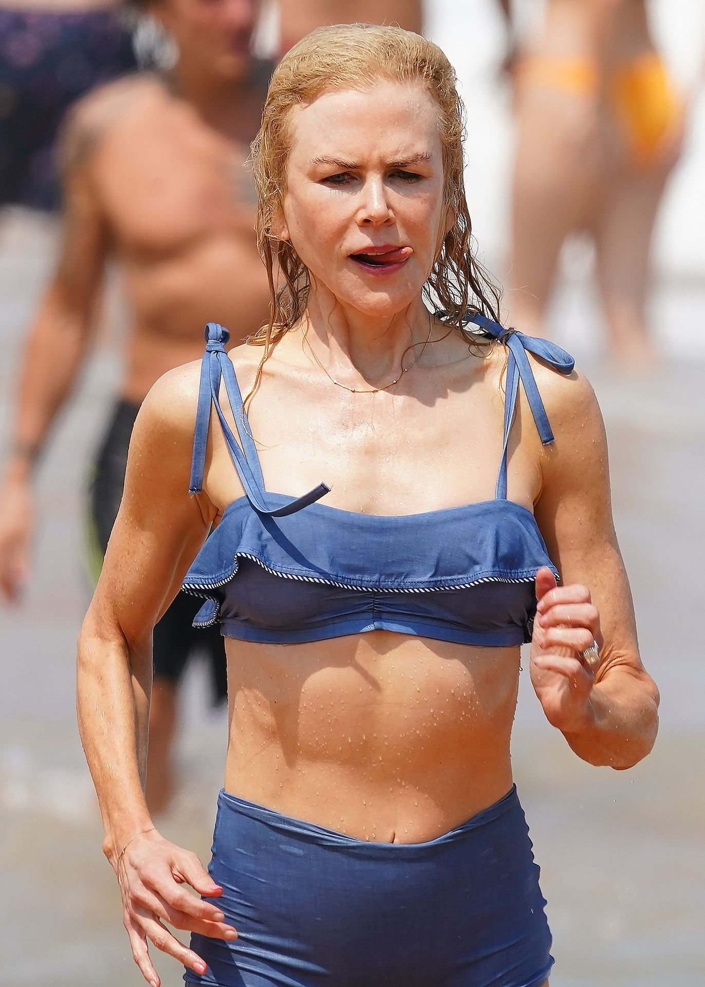 Nicole Kidman Hits The Beach While In Sydney With Her Family 0079