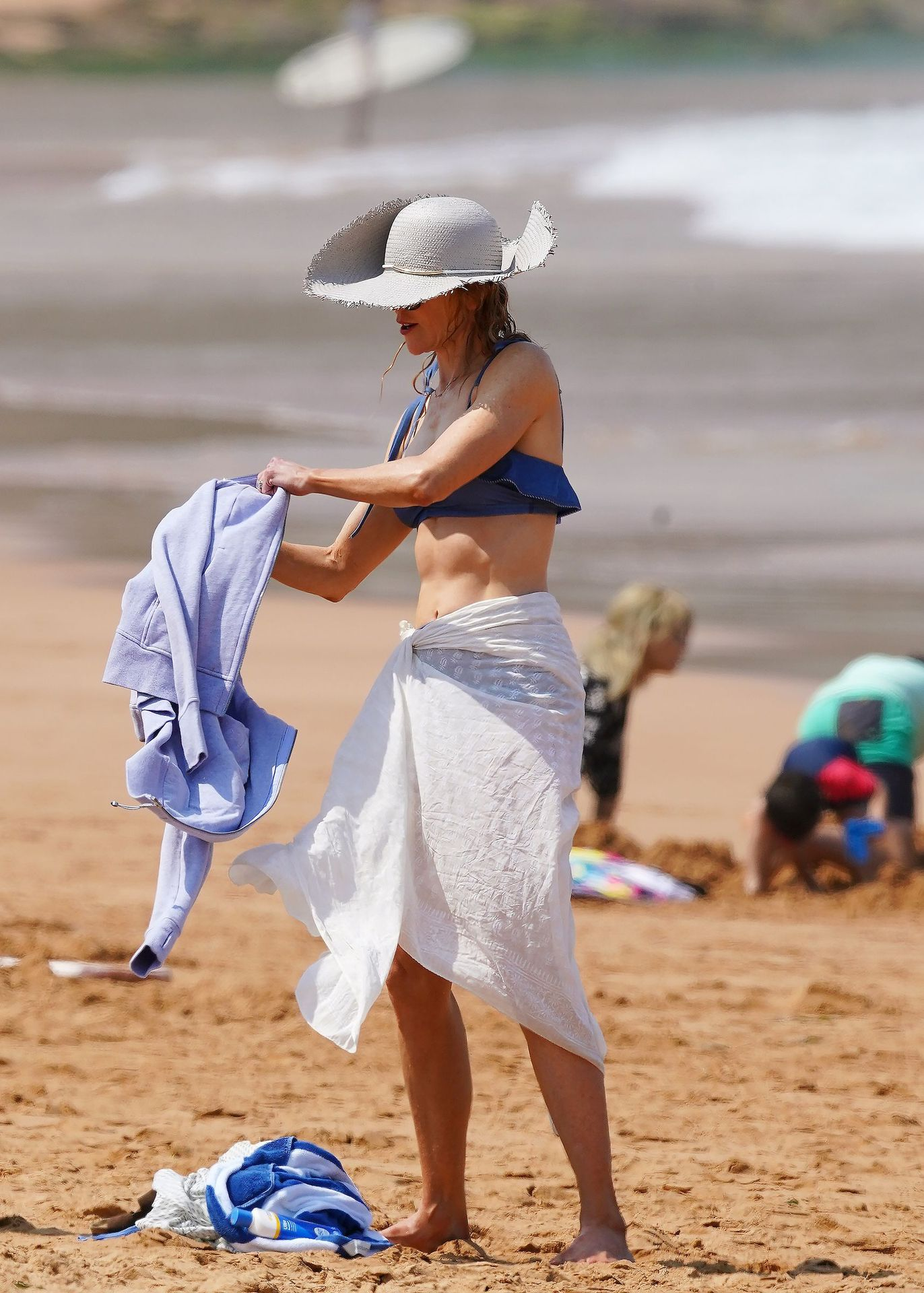 Nicole Kidman Hits The Beach While In Sydney With Her Family 0093