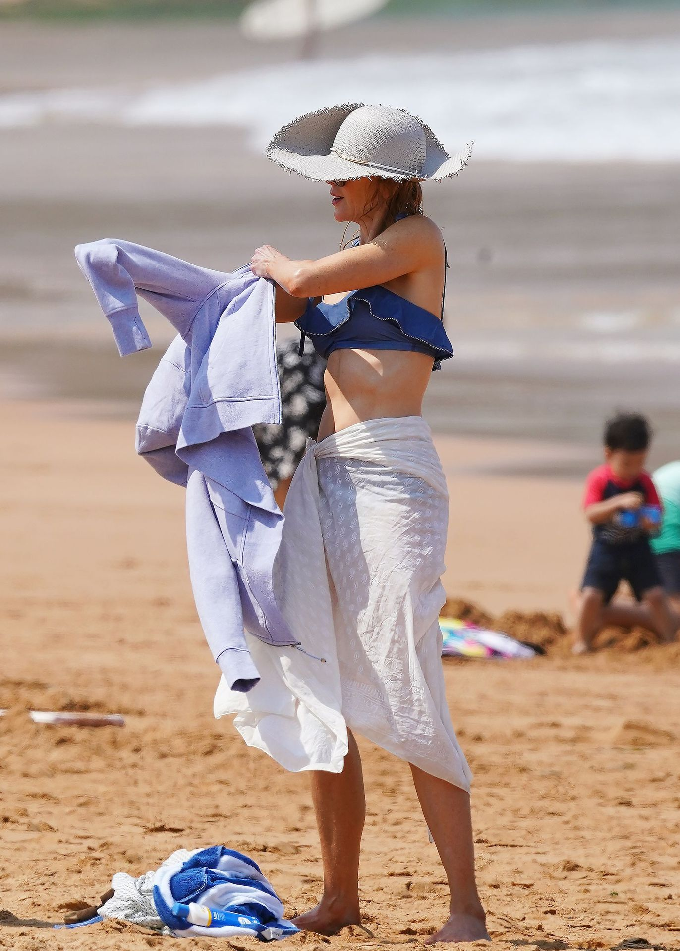 Nicole Kidman Hits The Beach While In Sydney With Her Family 0095