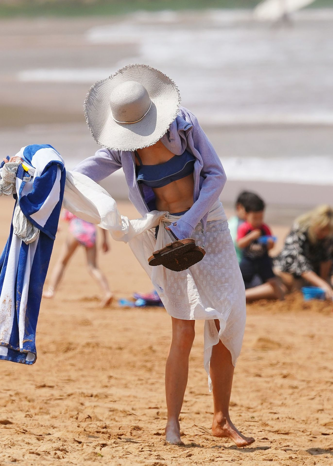 Nicole Kidman Hits The Beach While In Sydney With Her Family 0098