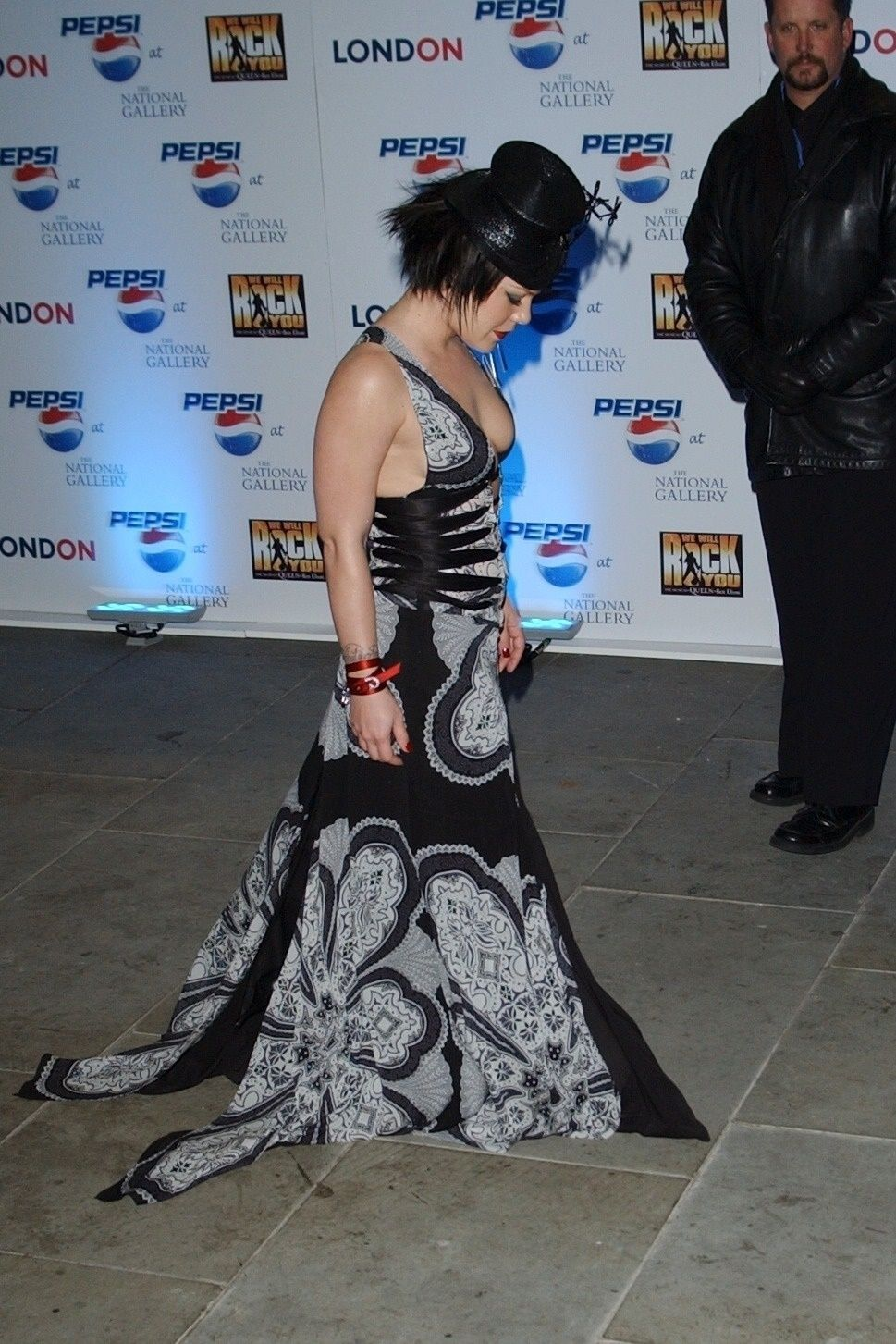 P!nk Shows Off Her Tits At Pepsi Event In Trafalgar Square In London 0005