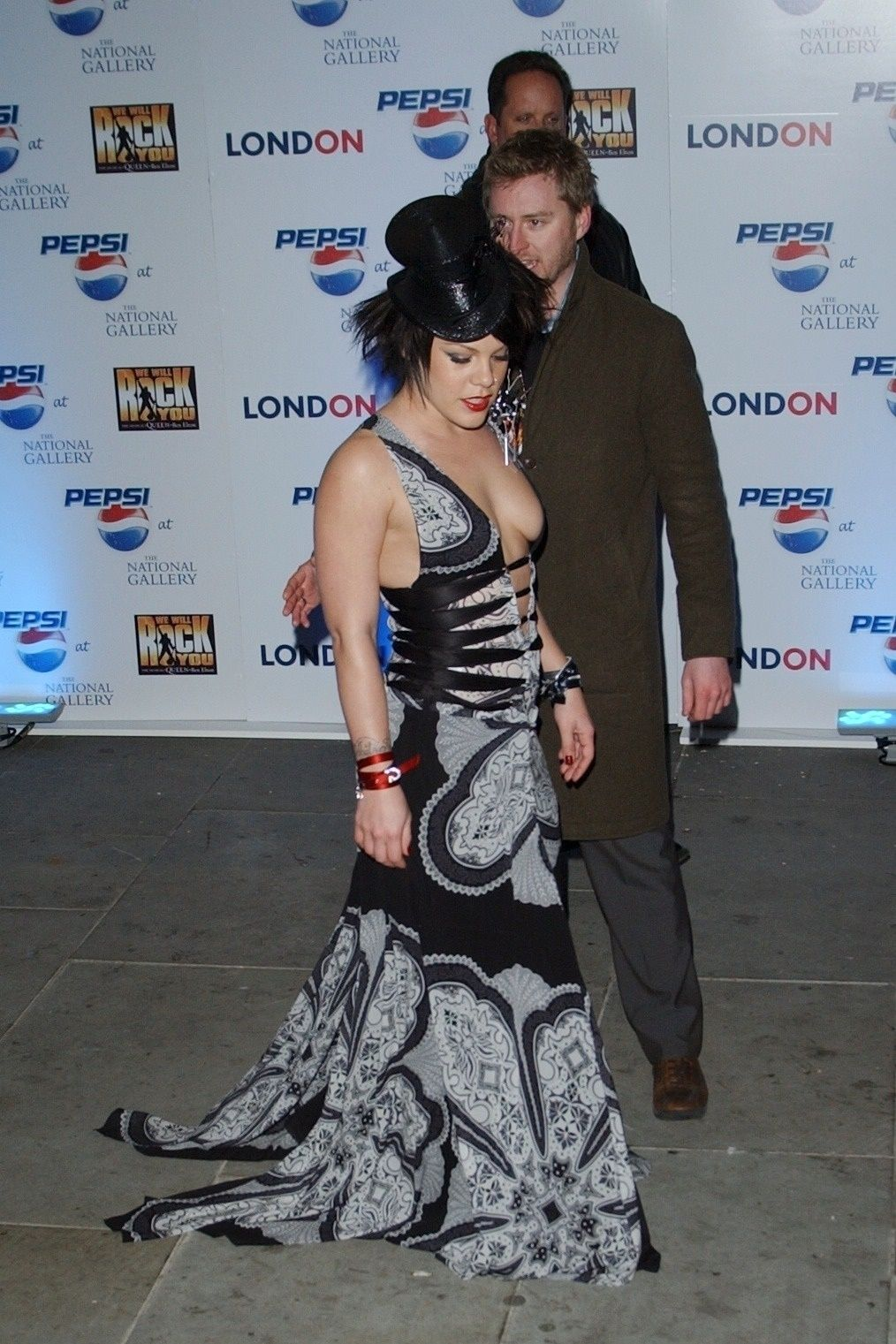 P!nk Shows Off Her Tits At Pepsi Event In Trafalgar Square In London 0006