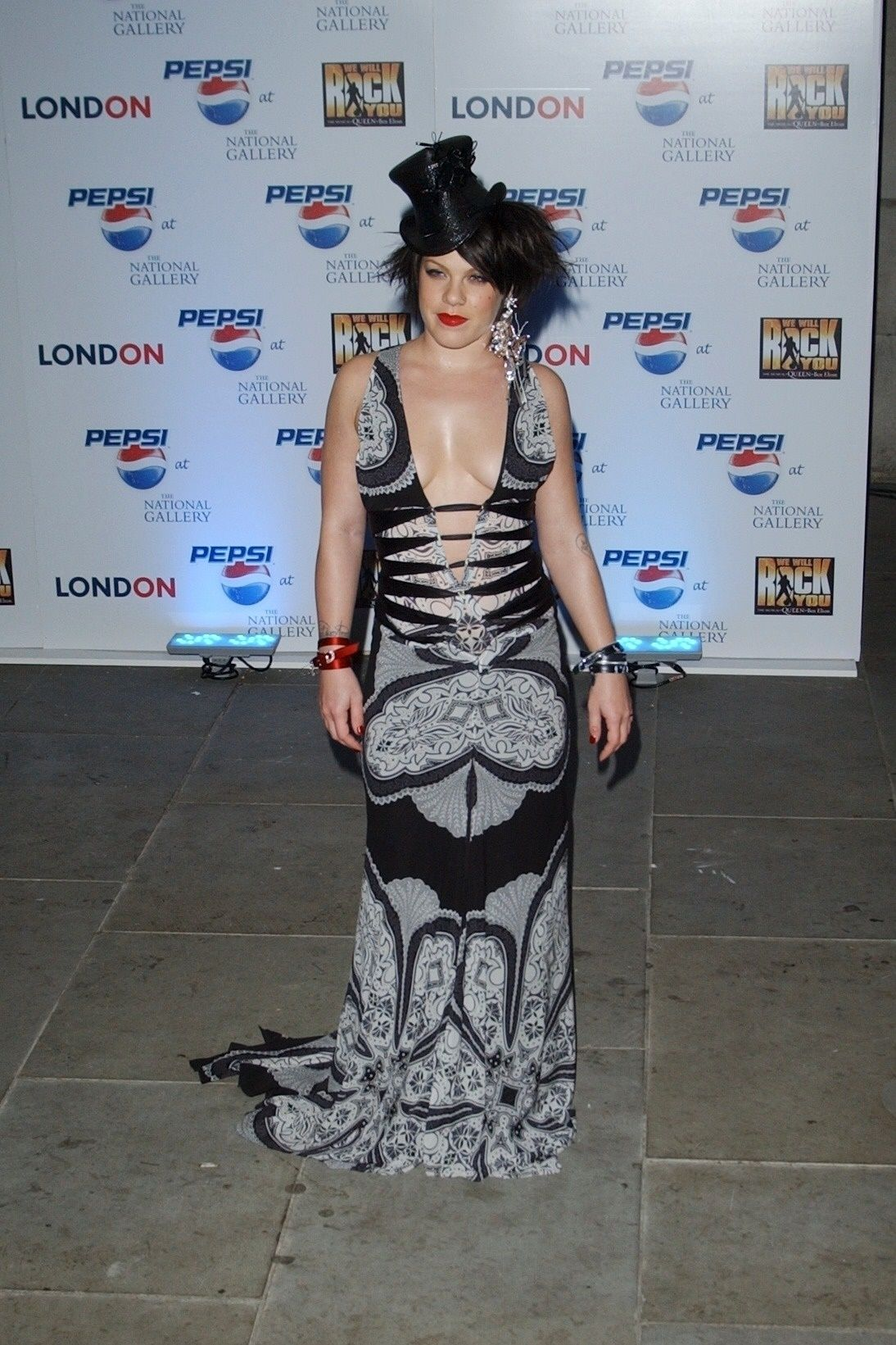 P!nk Shows Off Her Tits At Pepsi Event In Trafalgar Square In London 0007