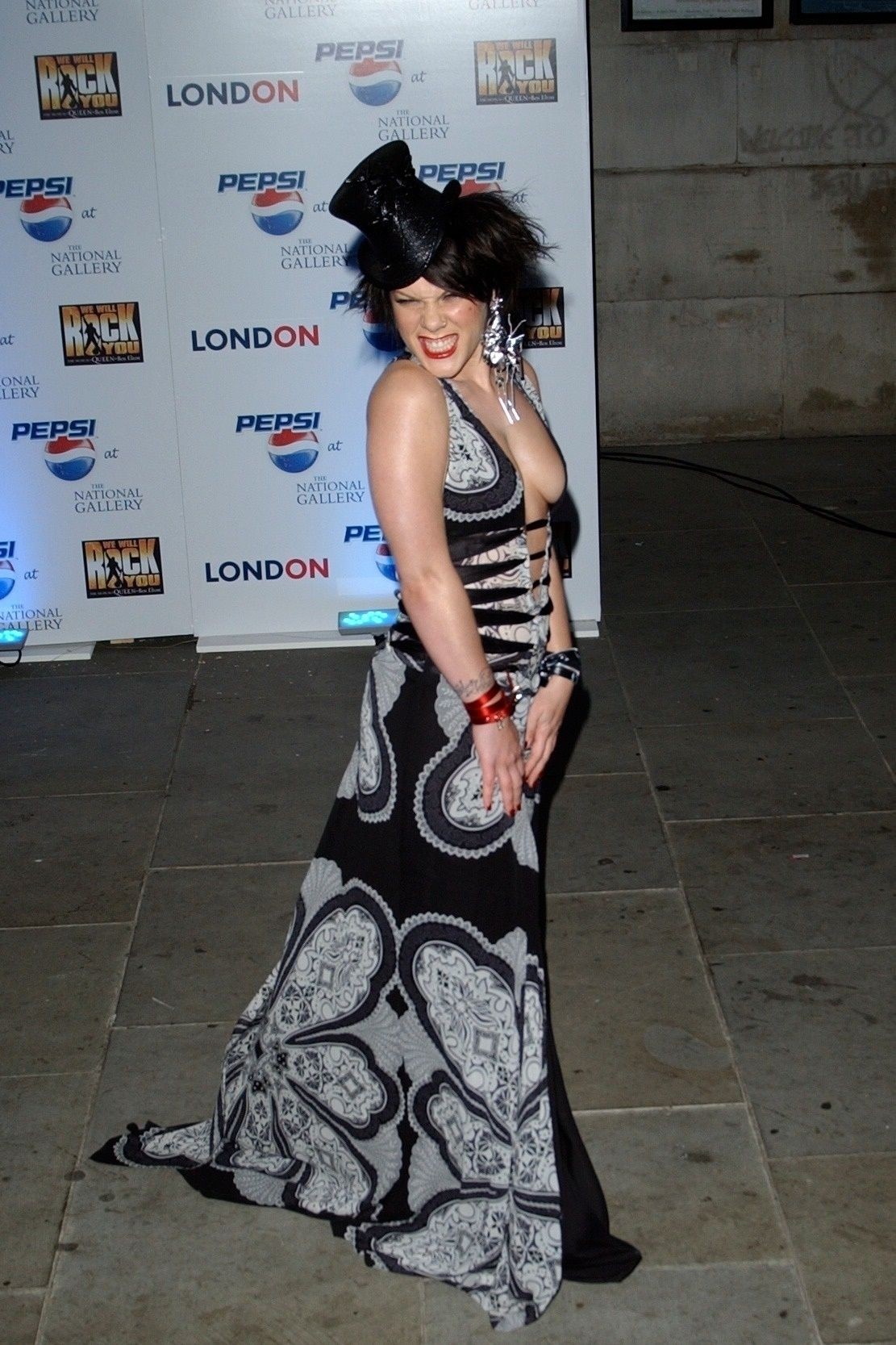 P!nk Shows Off Her Tits At Pepsi Event In Trafalgar Square In London 0015