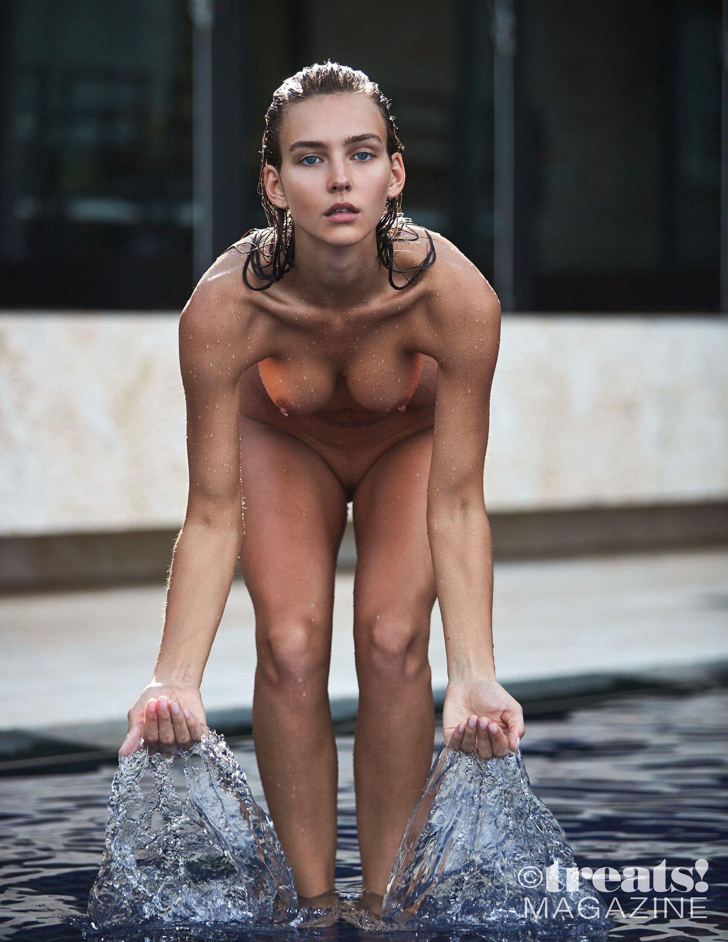 Rachel Cook Nude – Treats! 0006