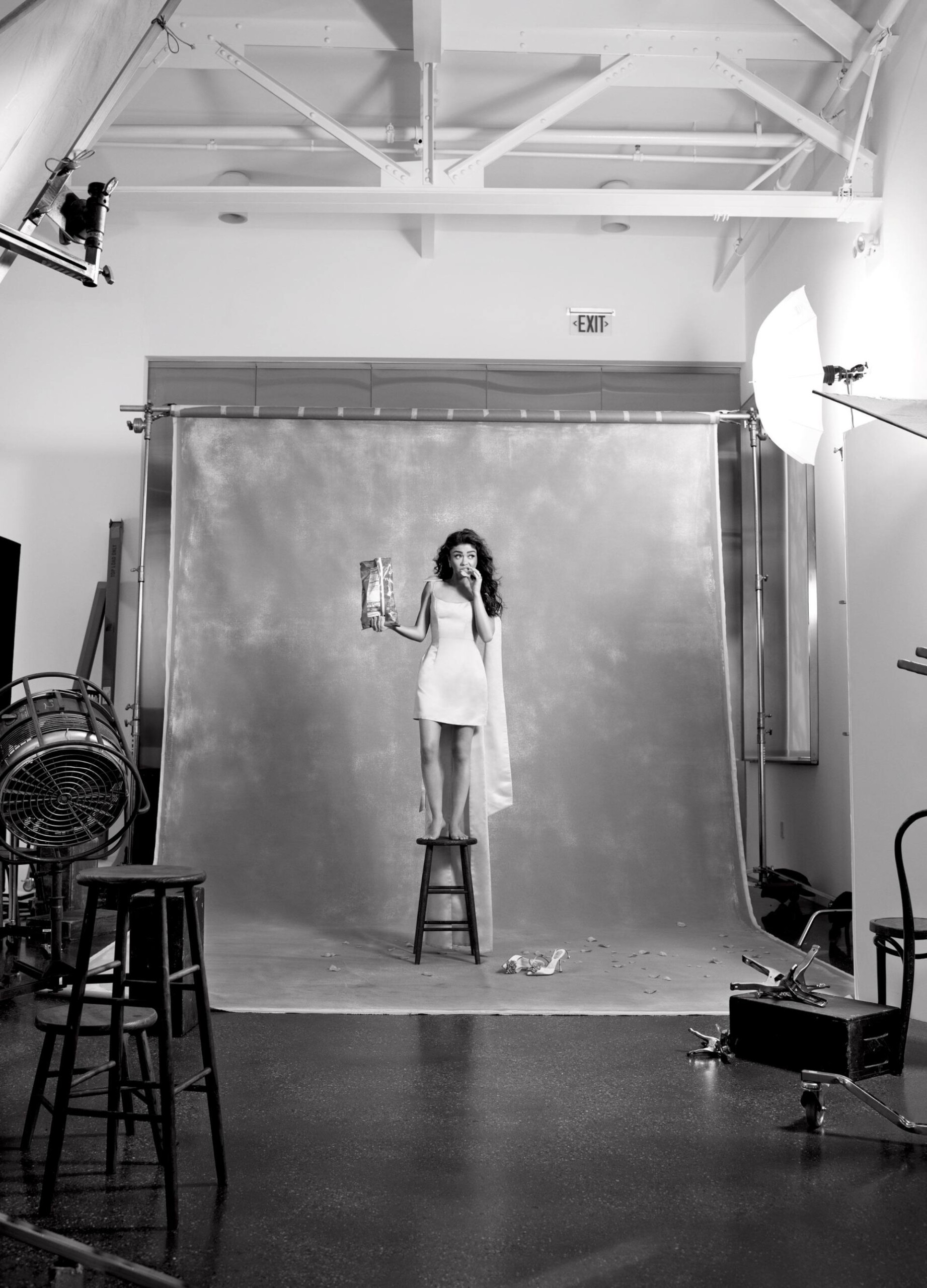 Sarah Hyland Sexy Legs In Alluring Photoshoot For Cosmopolitan Magazine (may 2020) 0006