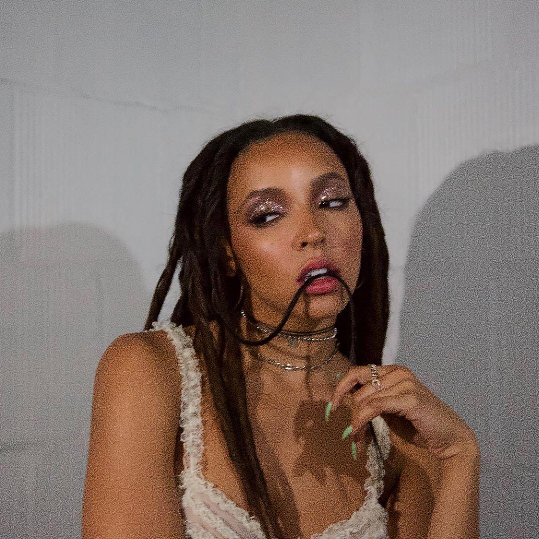 Tinashe Sexy 0010