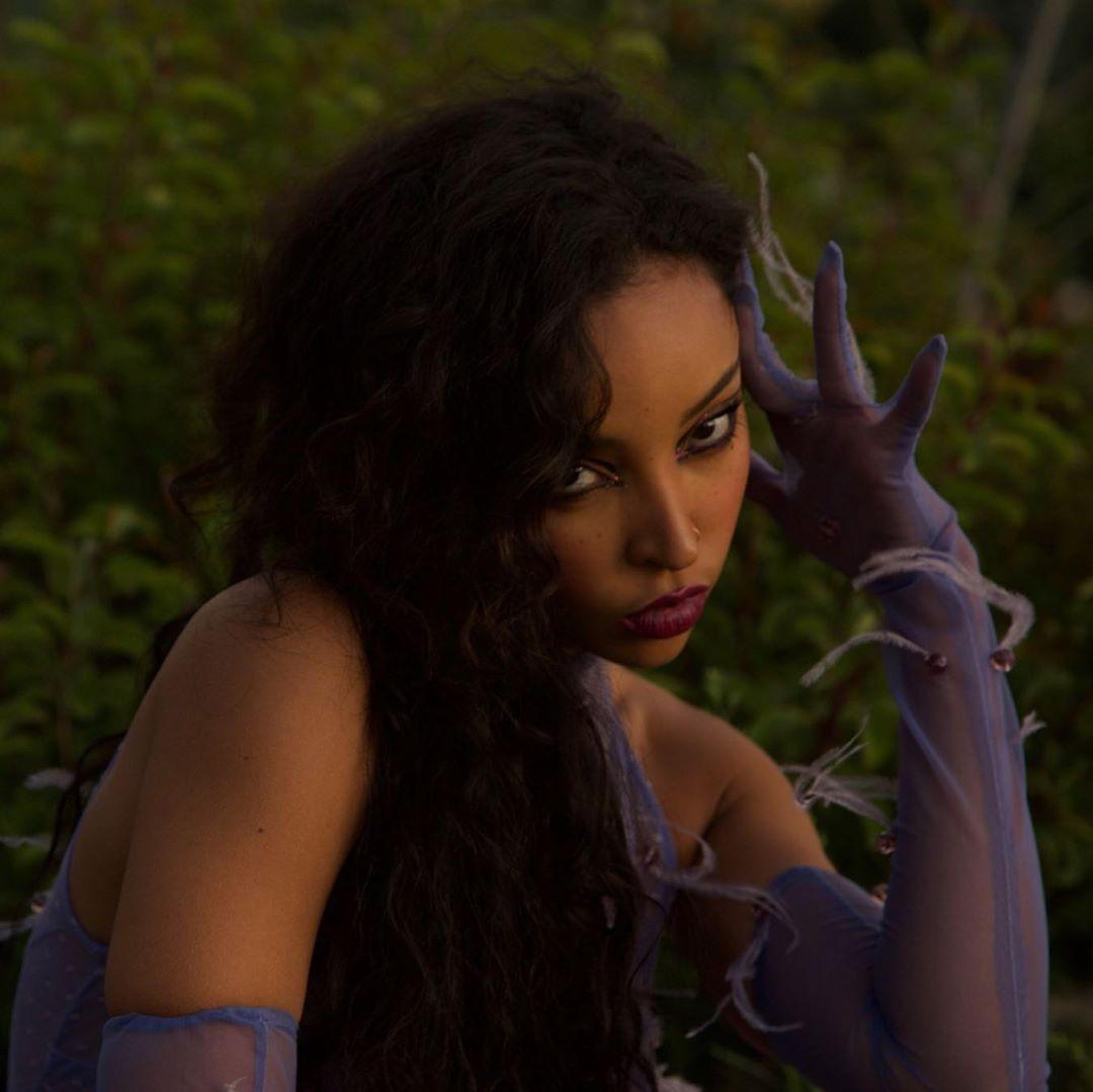 Tinashe Sexy 0077
