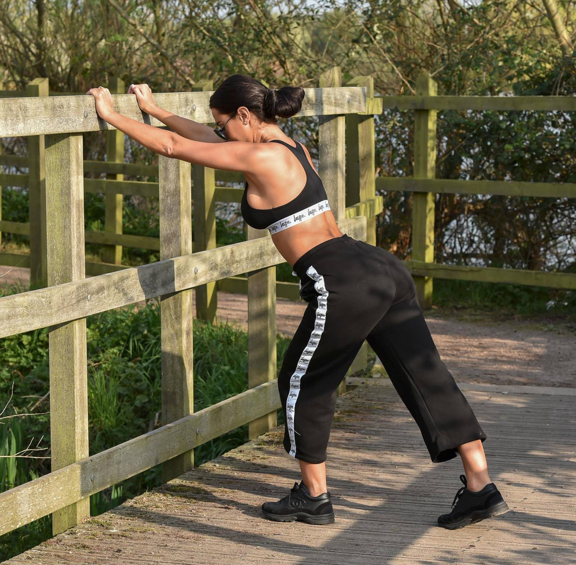 Yazmin Oukhellou Sexy Boobs In Sports Bra Out In A Park In Essex 0007