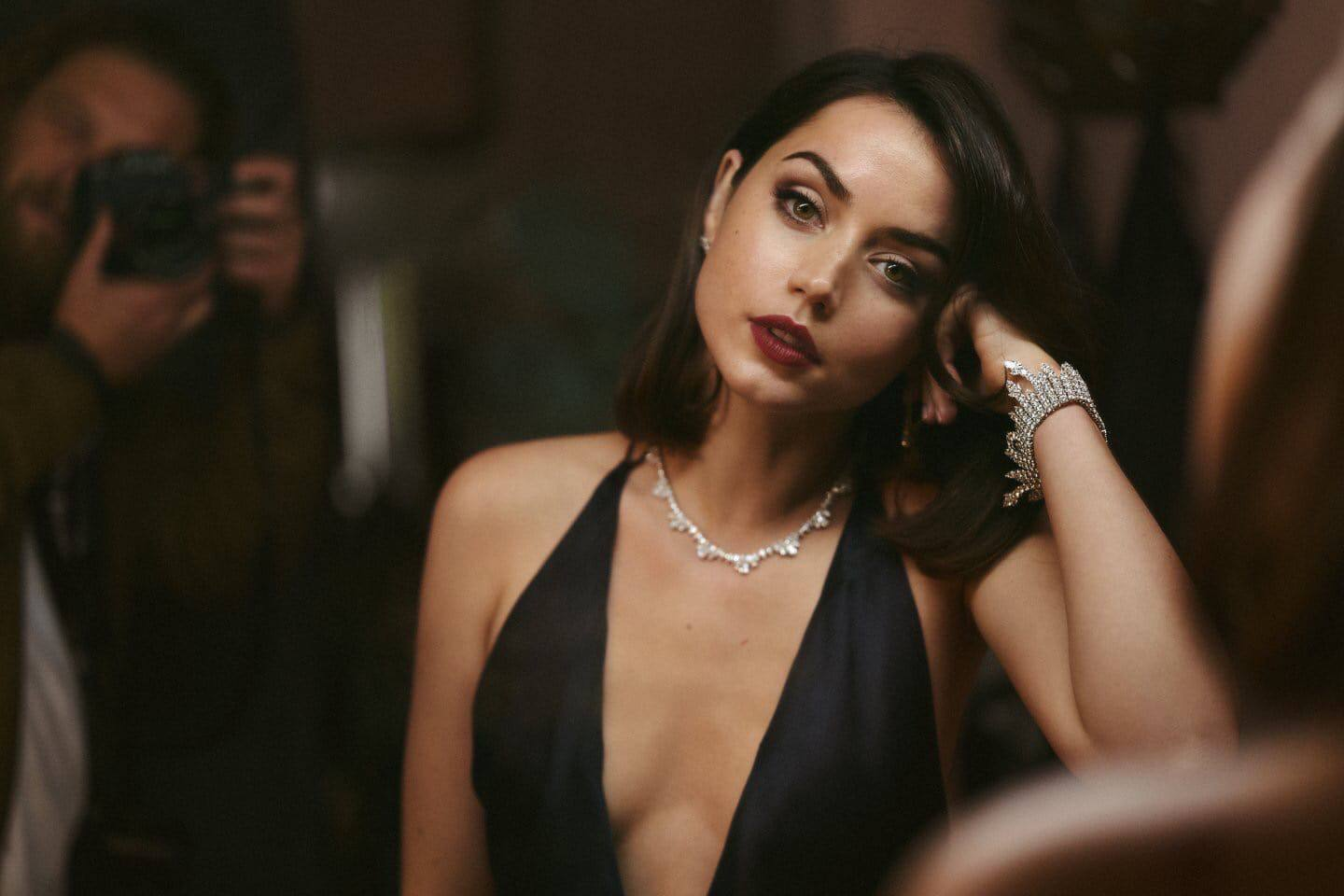 """Ana De Armas – Gorgeous In Black Dress For """"no Time To Die"""" Movie Promo 0006"""