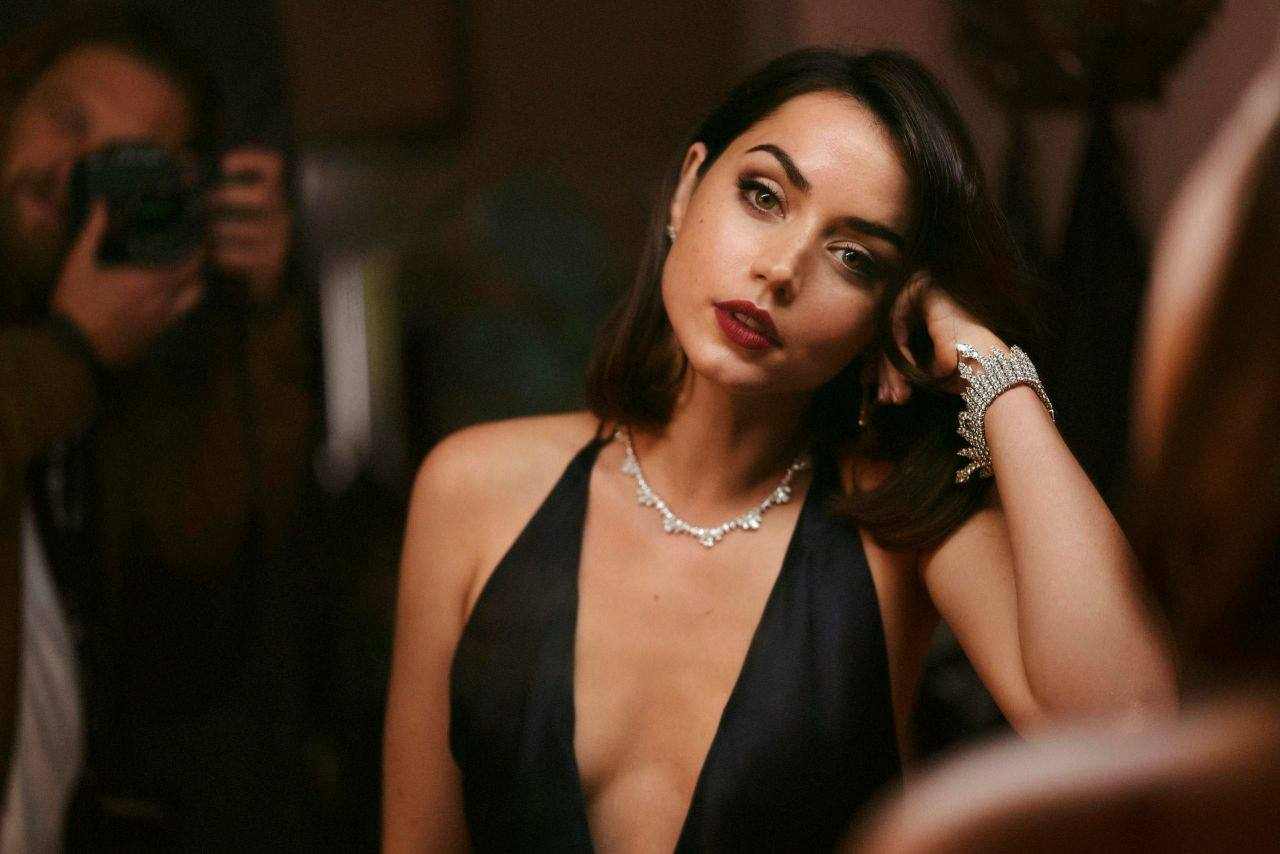 """Ana De Armas – Gorgeous In Black Dress For """"no Time To Die"""" Movie Promo 0010"""
