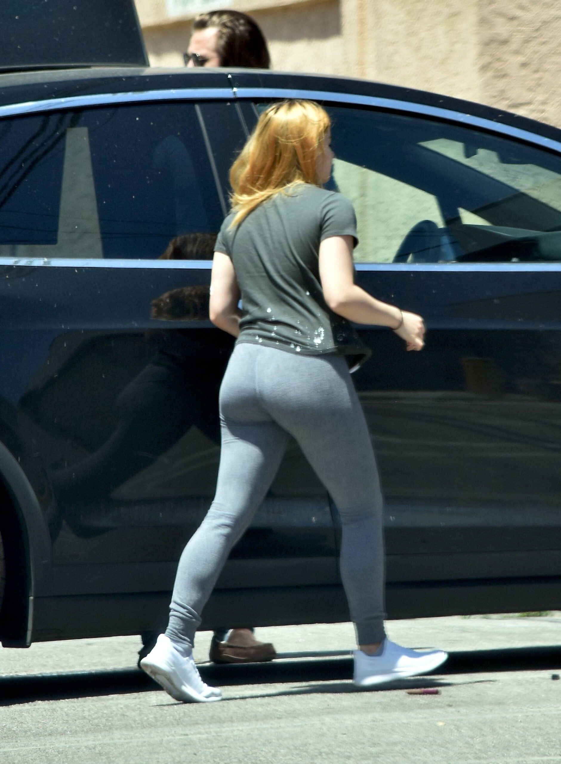 Ariel Winter – Hot Big Ass In Tight Sweatpants Out In Los Angeles 0024