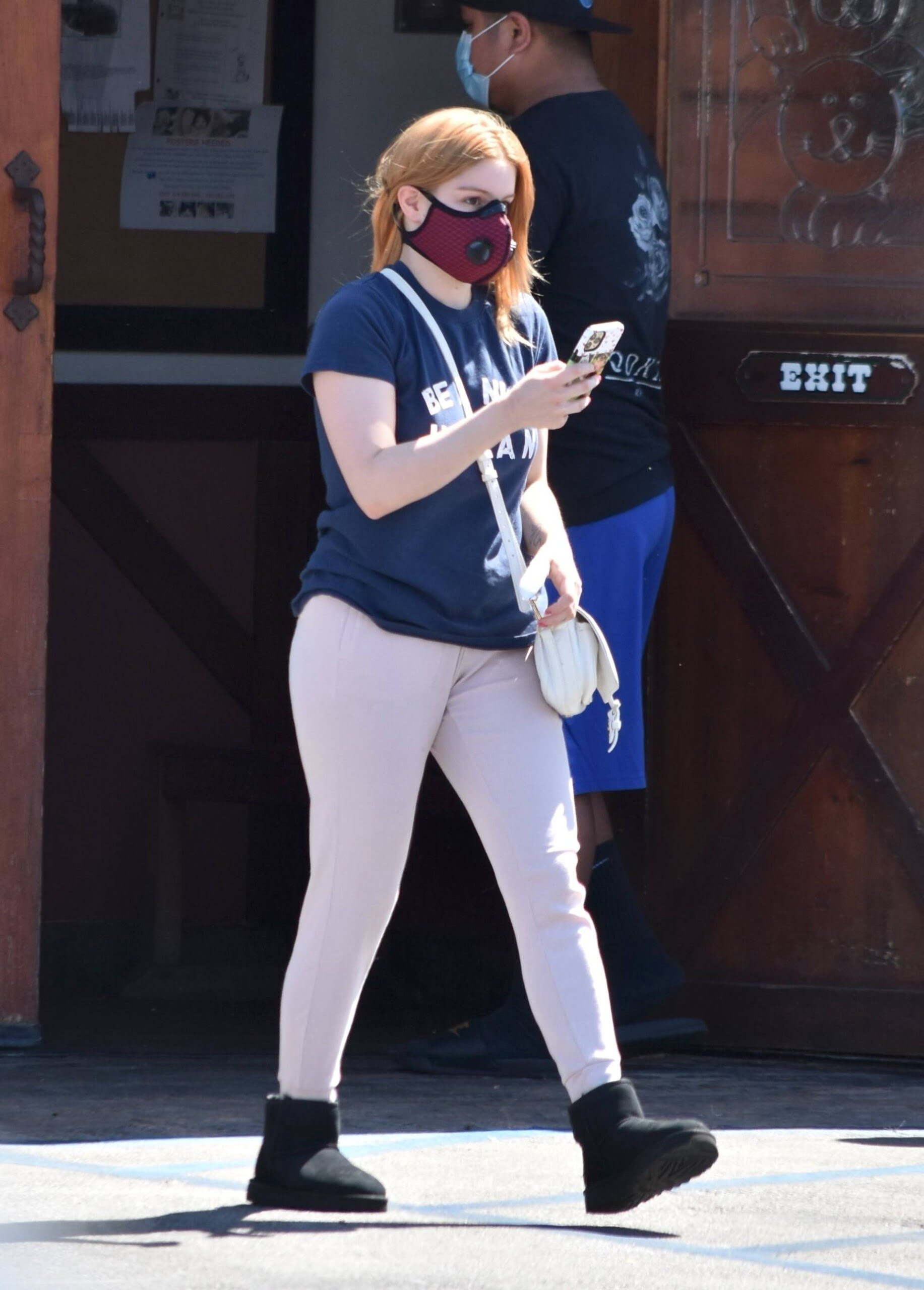 Ariel Winter – Sexy Ass In Sweatpants Out In Studio City 0016