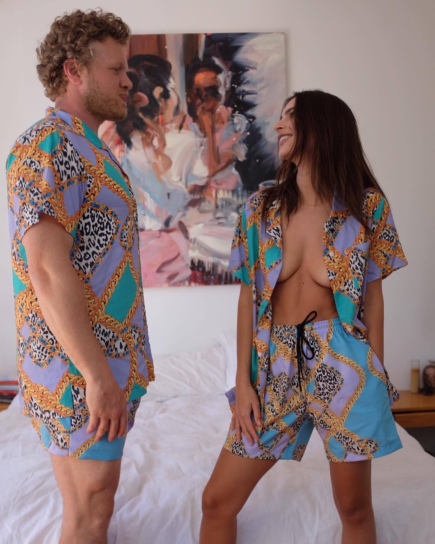 Emily Ratajkowski – Perfect Boobs In Sexy Braless Photoshoot For Inamorata Collection 0004