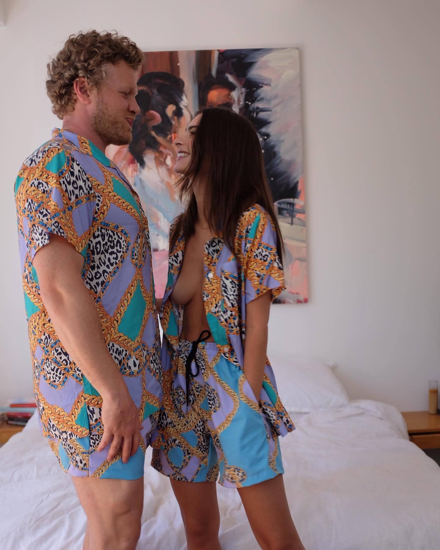 Emily Ratajkowski – Perfect Boobs In Sexy Braless Photoshoot For Inamorata Collection 0005
