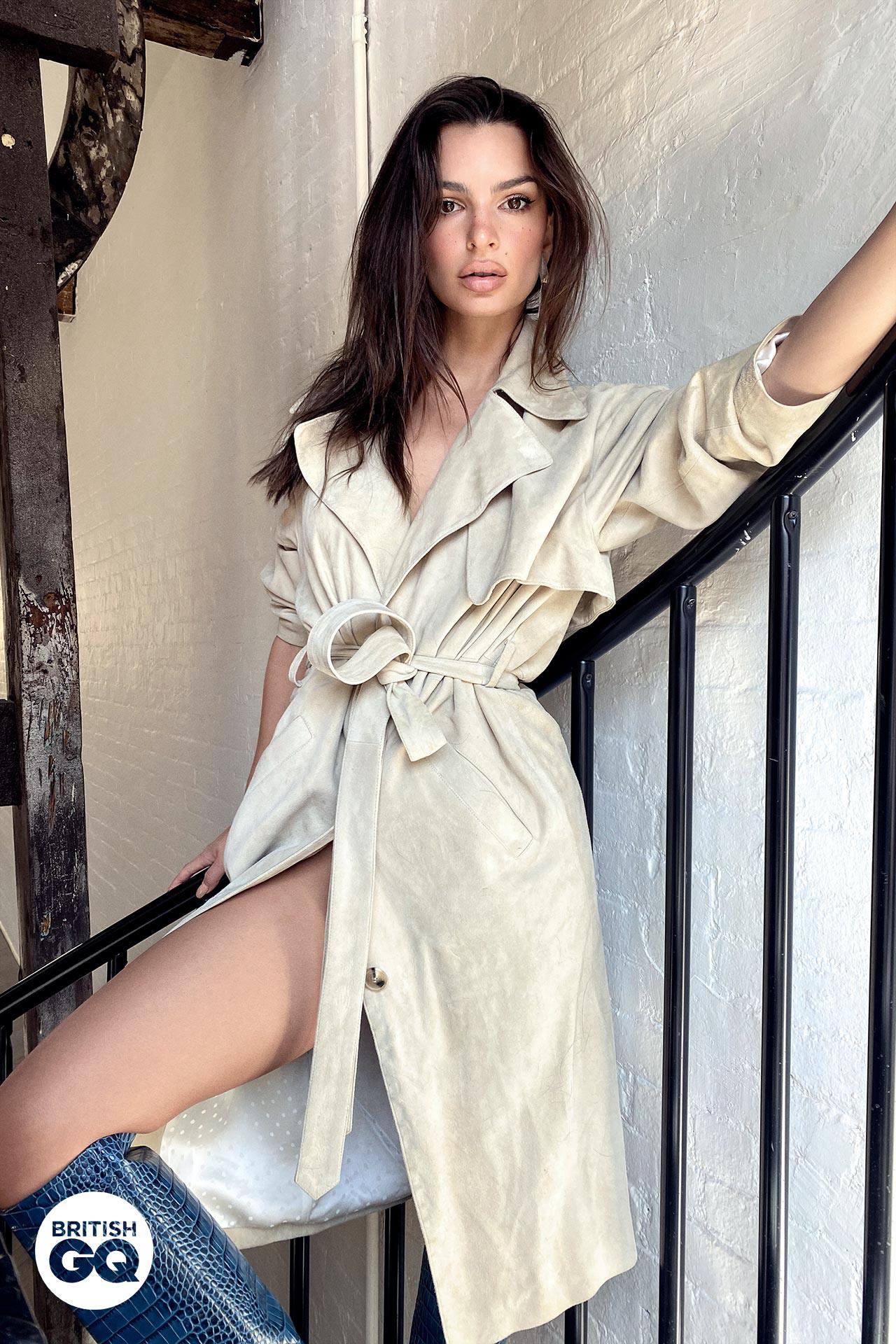 Emily Ratajkowski – Sexy In Gq Magazine Photoshoot (may 2020) 0004