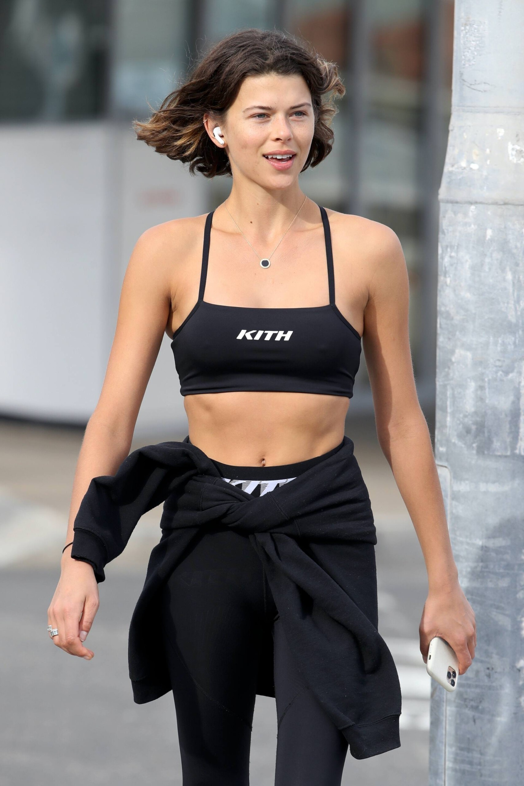 Georgia Fowler – Beautiful Toned Body In Sexy Sports Bra Out In Sydney 0001