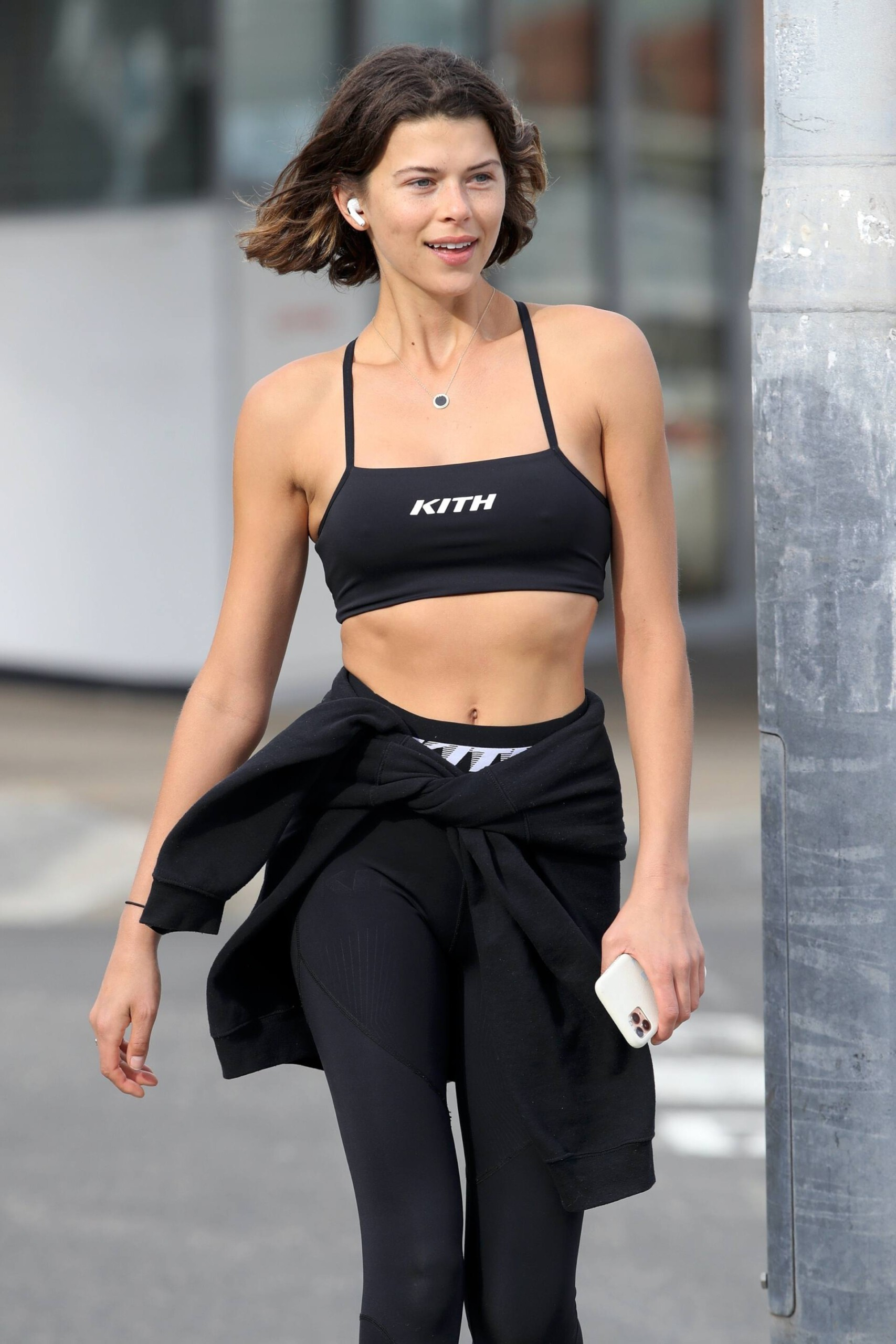 Georgia Fowler – Beautiful Toned Body In Sexy Sports Bra Out In Sydney 0009