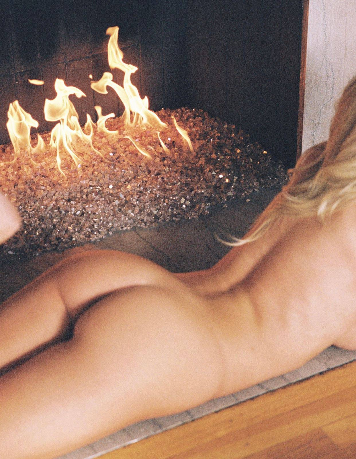 Hannah Palmer – Beautiful Body In Full Frontal Naked Photoshoot (censored) (nsfw) 0006