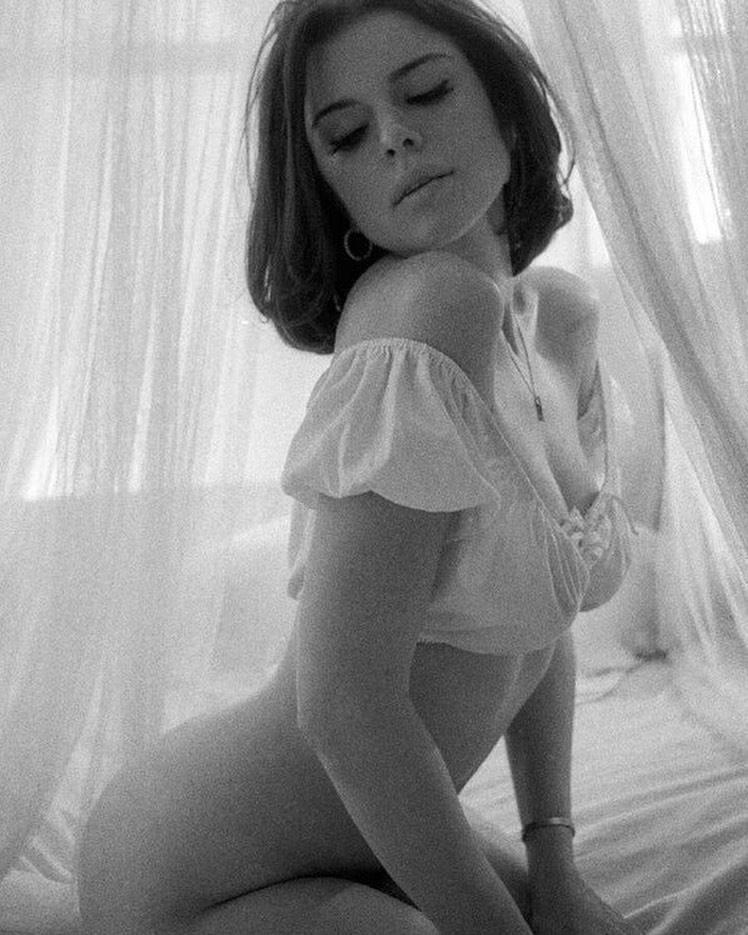 Julia Fox – Beautiful Big Boobs In Sexy Sheer Lingerie 0006
