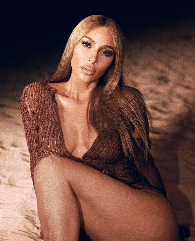 Kim Kardashian – Beautiful Braless Boobs In Sexy Photoshoot 0003