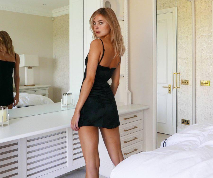 Kimberley Garner – Beautiful Legs In Sexy Little Black Dress Photoshoot 0004