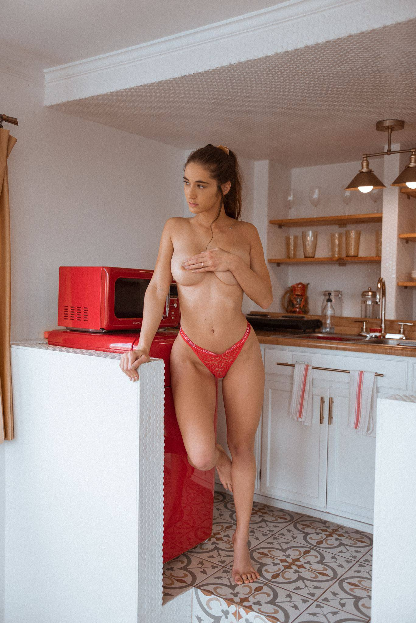 Natalie Roush – Hot Ass And Boobs In Sexy Toples Photoshoot 0003