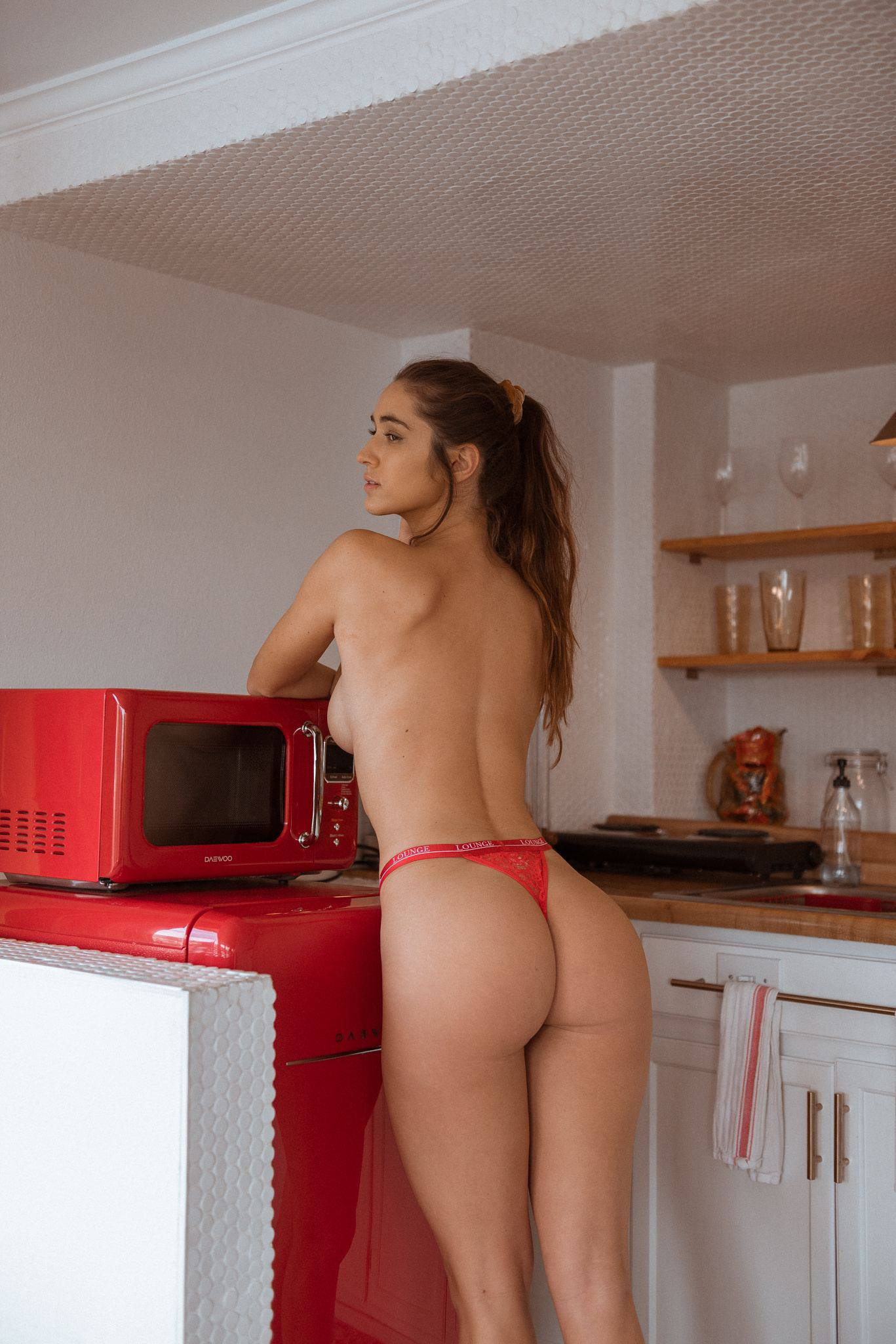 Natalie Roush – Hot Ass And Boobs In Sexy Toples Photoshoot 0004