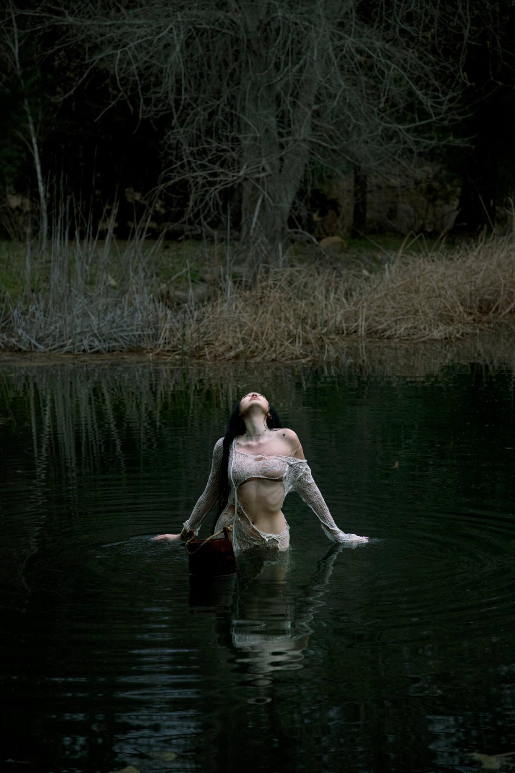 "Noah Cyrus – Sexy In ""i Got So High I Saw Jesus"" Photoshoot By Amaury Nessaibia 0008"