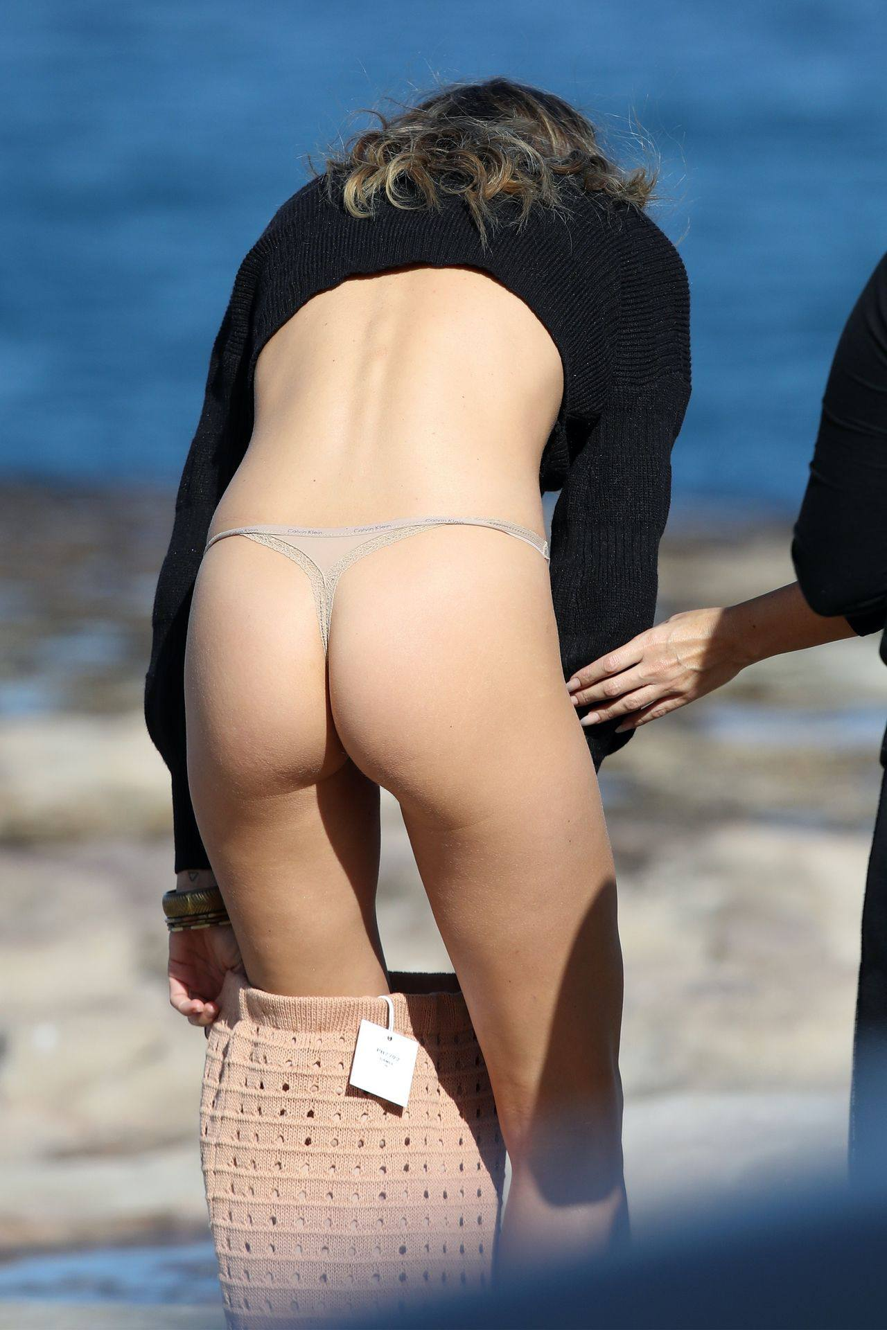 Stephanie Claire Smith – Sexy Big Camel Toe In Panties At Photoshoot In Sydney 0017