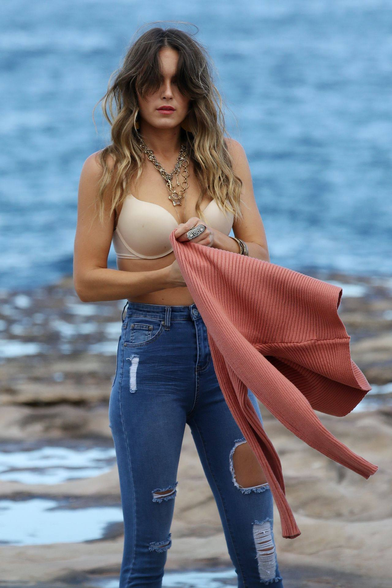 Stephanie Claire Smith – Sexy Big Camel Toe In Panties At Photoshoot In Sydney 0022