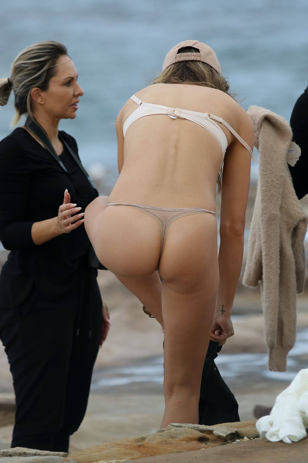 Stephanie Claire Smith – Sexy Big Camel Toe In Panties At Photoshoot In Sydney 0026