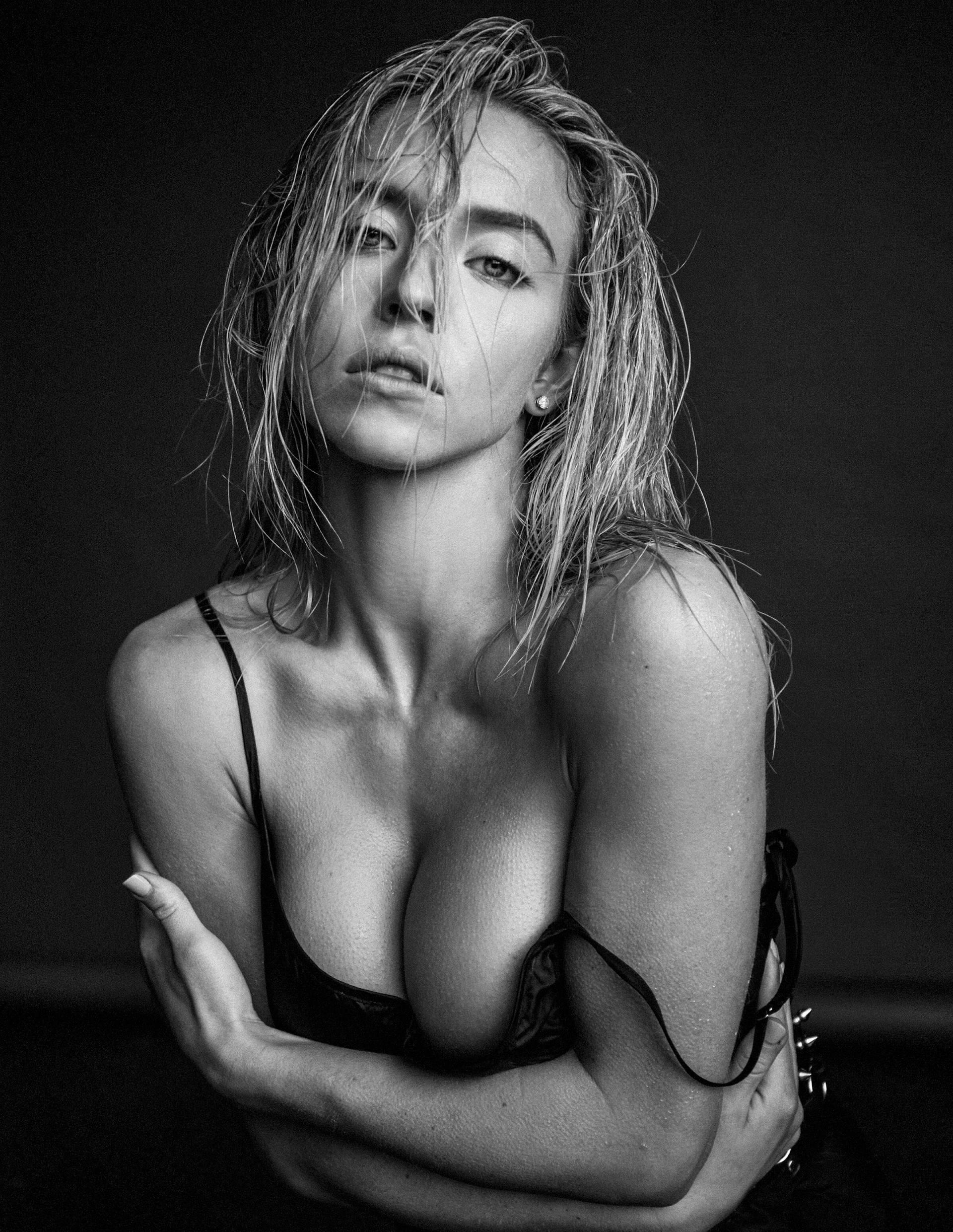 Sydney Sweeney – Beautiful Big Boobs In Sexy Photoshoot By Damon Baker (hq) 0004