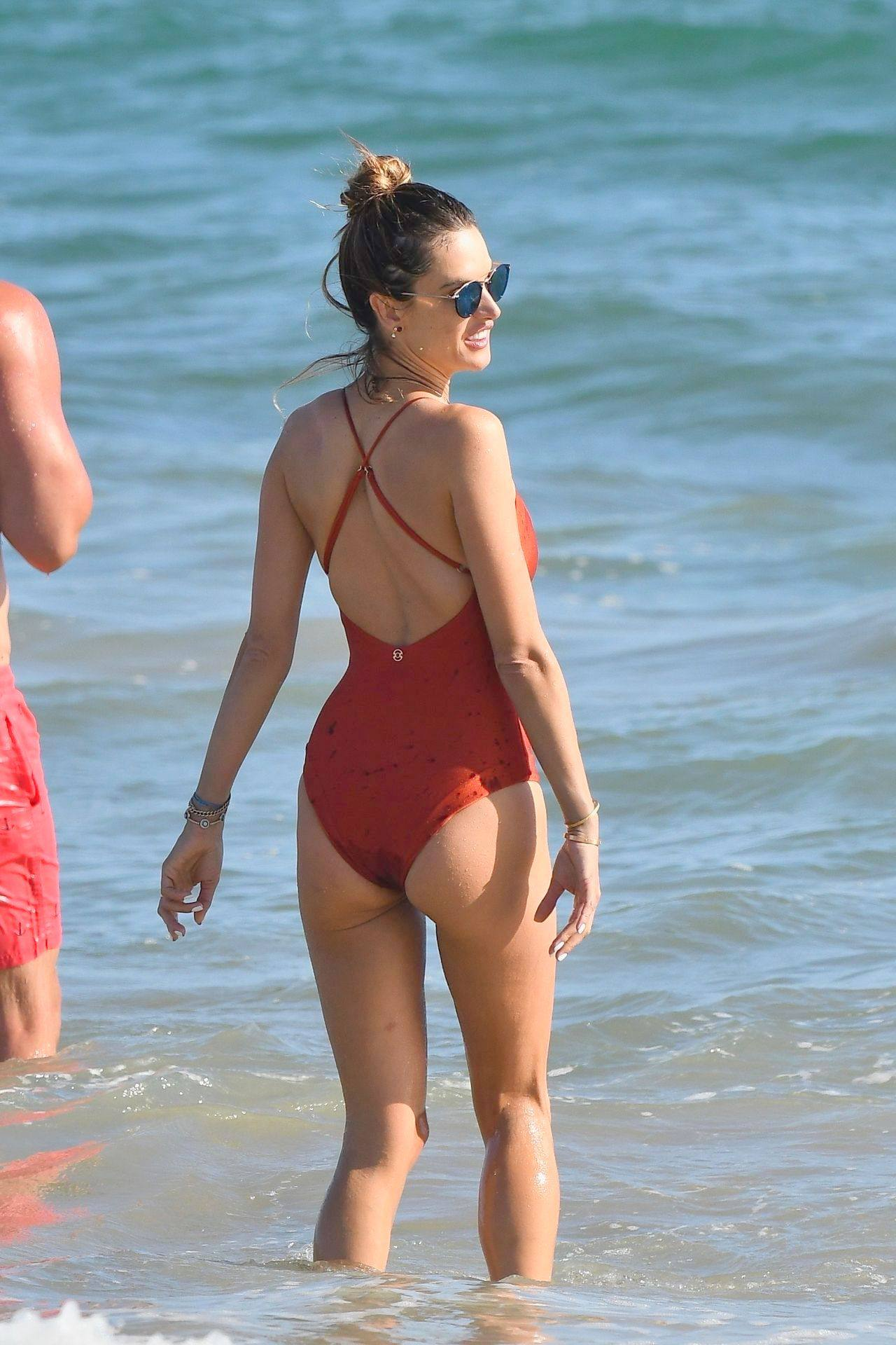 Alessandra Ambrosio – Sexy Ass In Red Swimsuit At The Beach In Malibu 0017