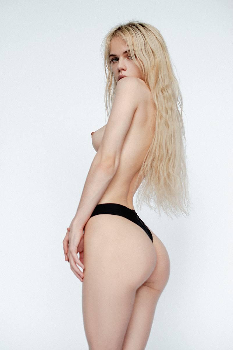 Alexandra Smelova – Sexy Boobs In Hot Topless Photoshoot (nsfw) 0001