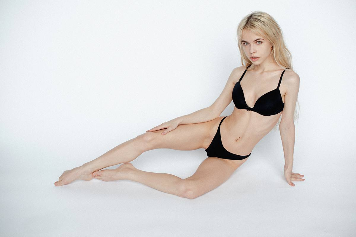 Alexandra Smelova – Sexy Boobs In Hot Topless Photoshoot (nsfw) 0007