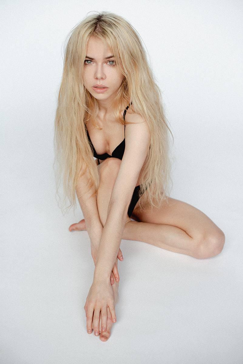 Alexandra Smelova – Sexy Boobs In Hot Topless Photoshoot (nsfw) 0010
