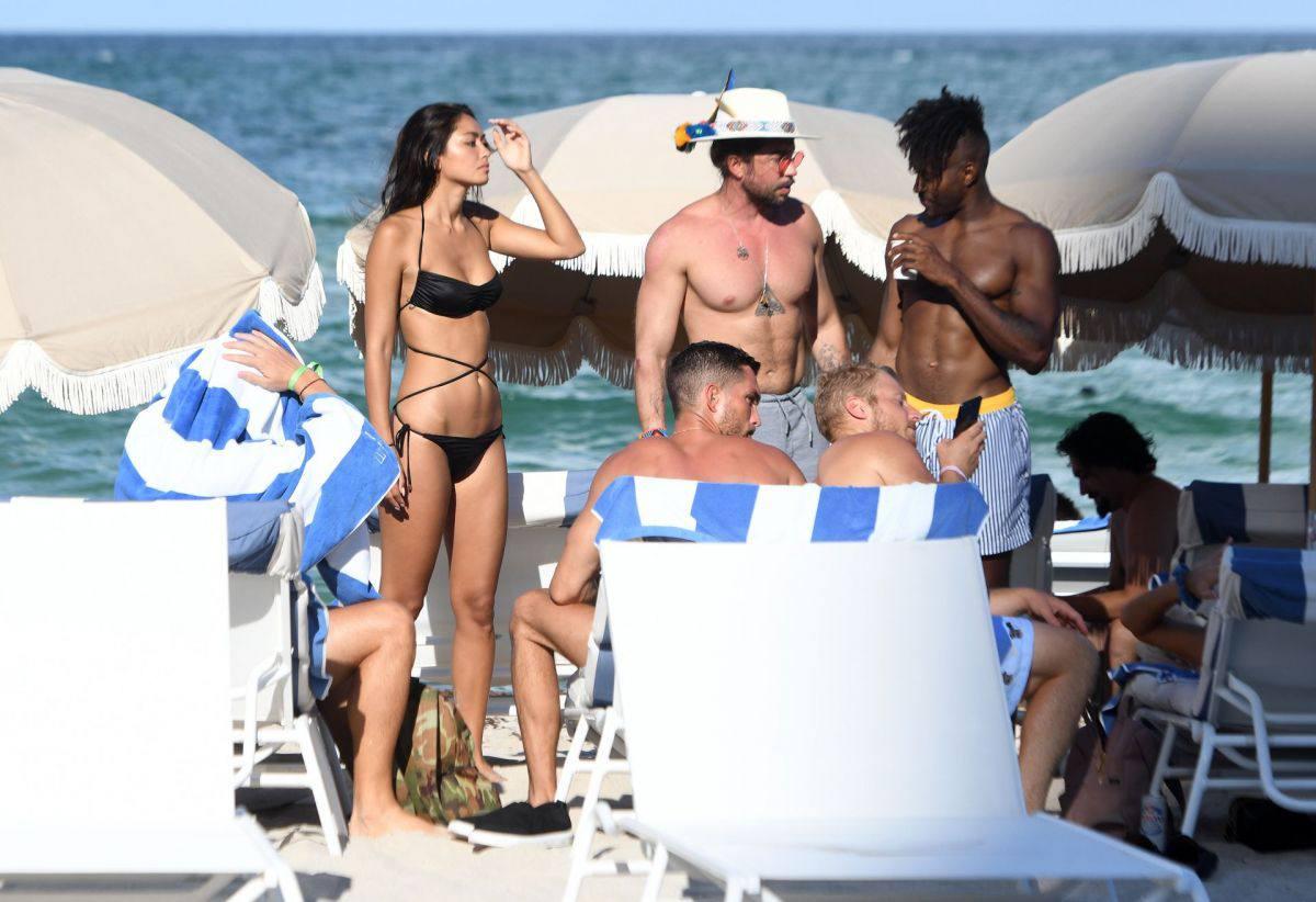 Ambra Gutierrez – Beautiful Body In Small Bikini At The Beach In Miami Beach 0005