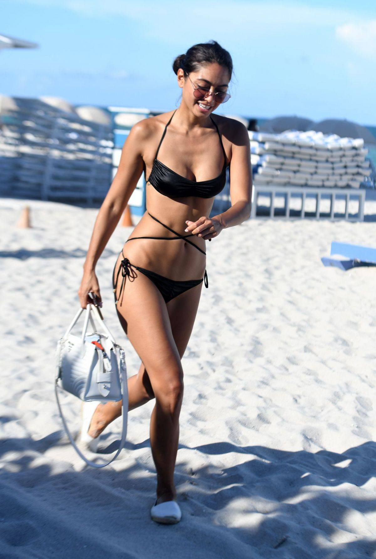 Ambra Gutierrez – Beautiful Body In Small Bikini At The Beach In Miami Beach 0007