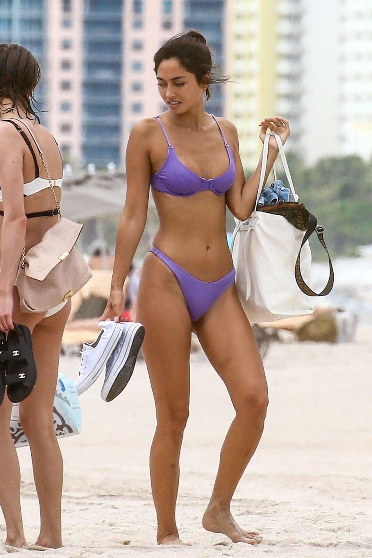Ambra Gutierrez – Hot Body In Small Bikini On Beach In Miami Beach 0005