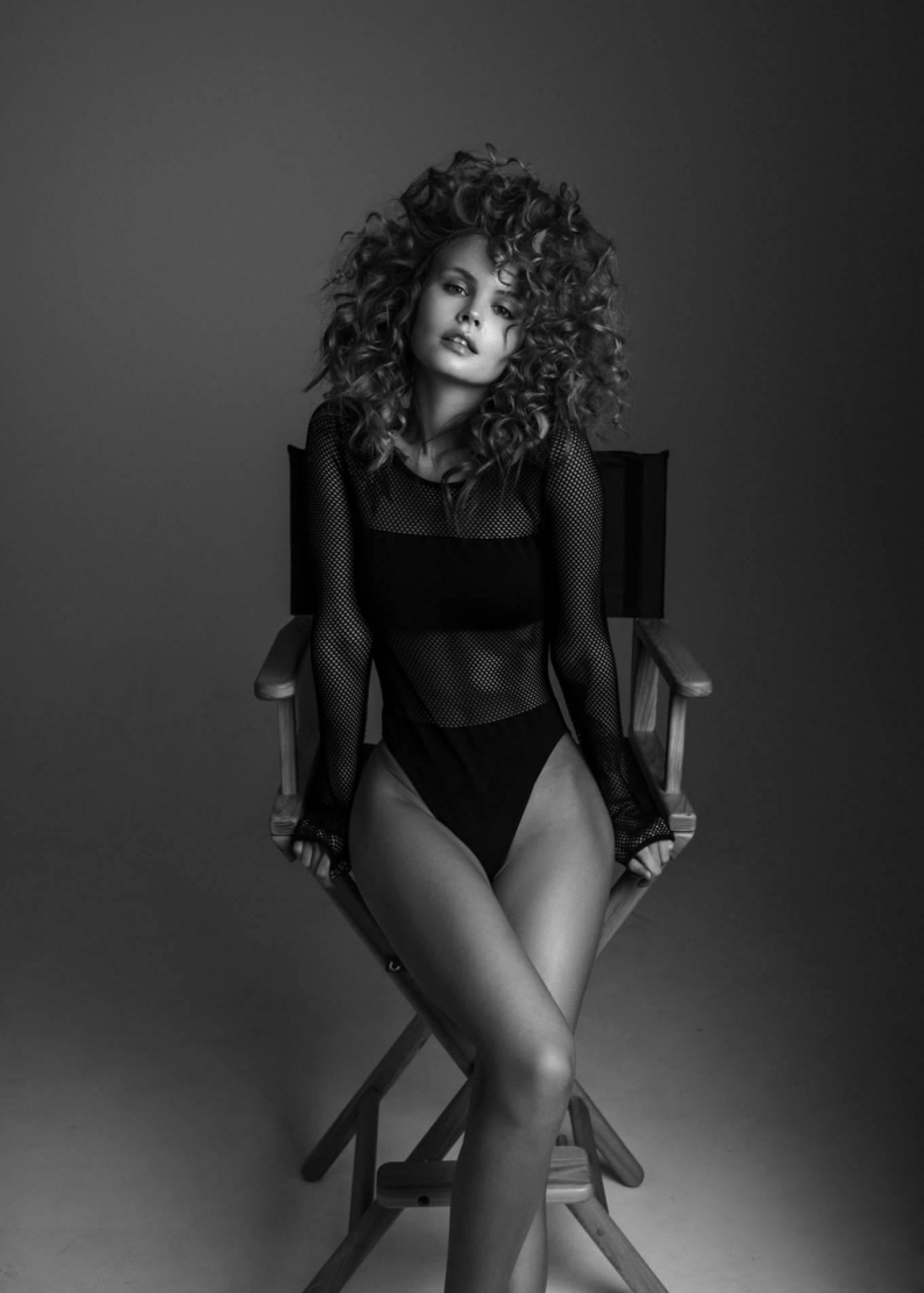 Anastasiya Scheglova – Sexy Body In Beautiful Photoshoot By Tonya Kochneva 0003