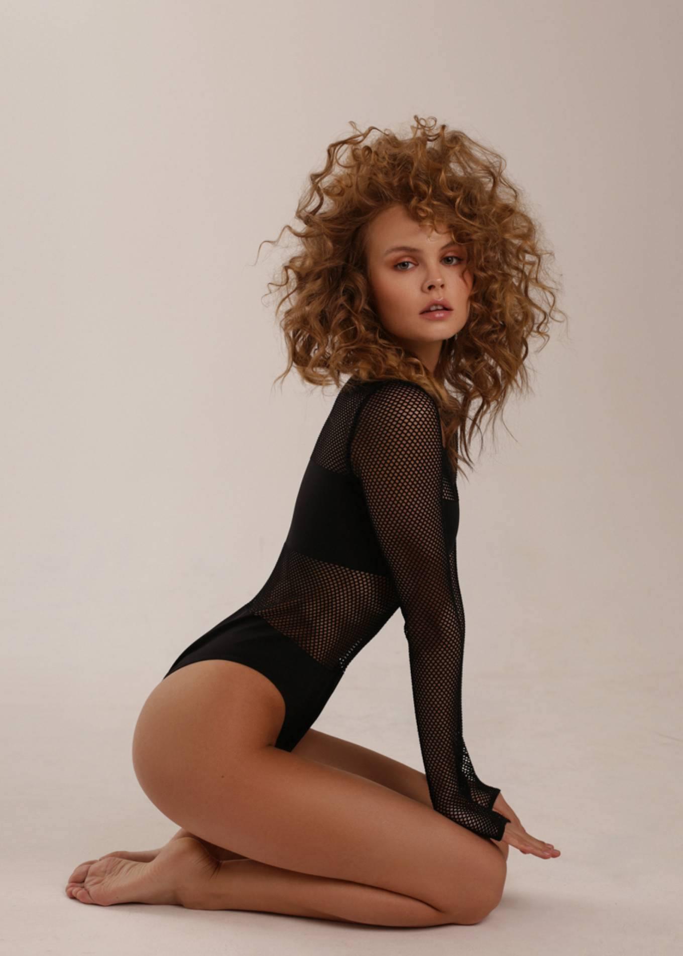 Anastasiya Scheglova – Sexy Body In Beautiful Photoshoot By Tonya Kochneva 0005