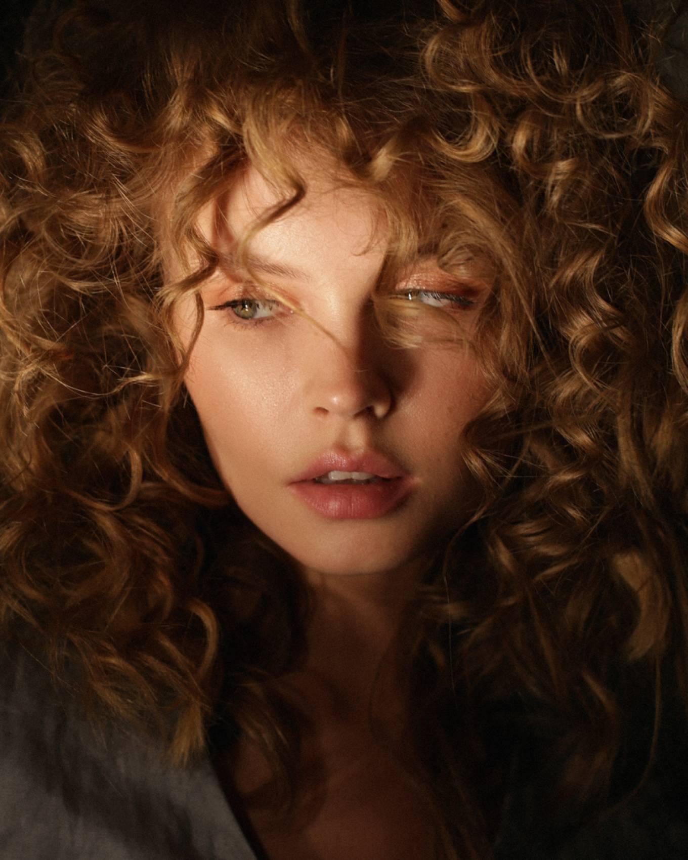 Anastasiya Scheglova – Sexy Body In Beautiful Photoshoot By Tonya Kochneva 0010