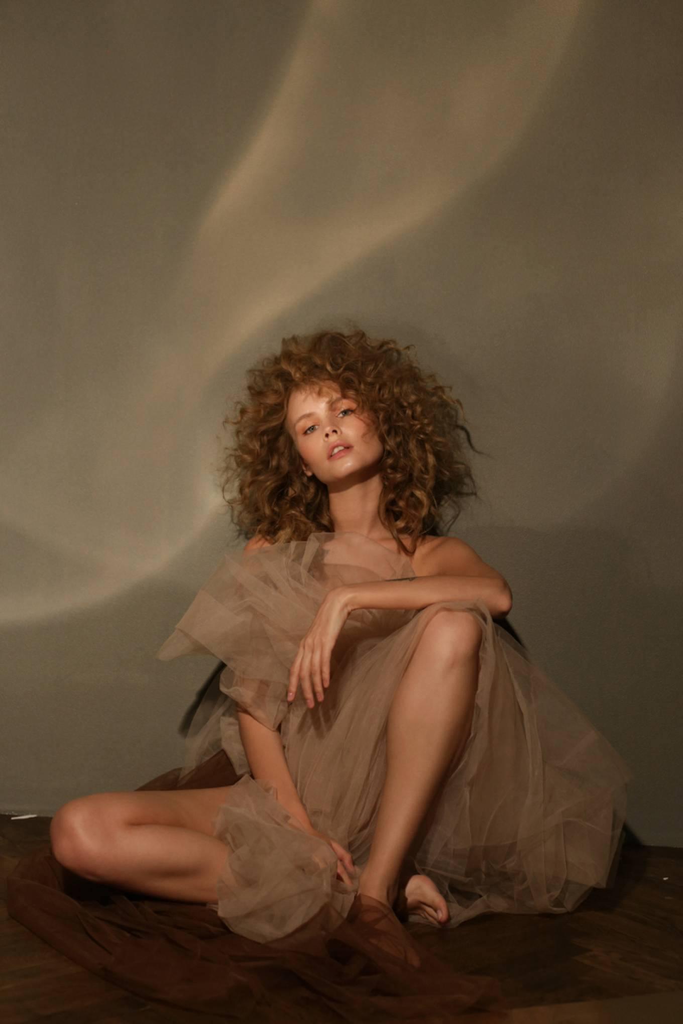 Anastasiya Scheglova – Sexy Body In Beautiful Photoshoot By Tonya Kochneva 0012