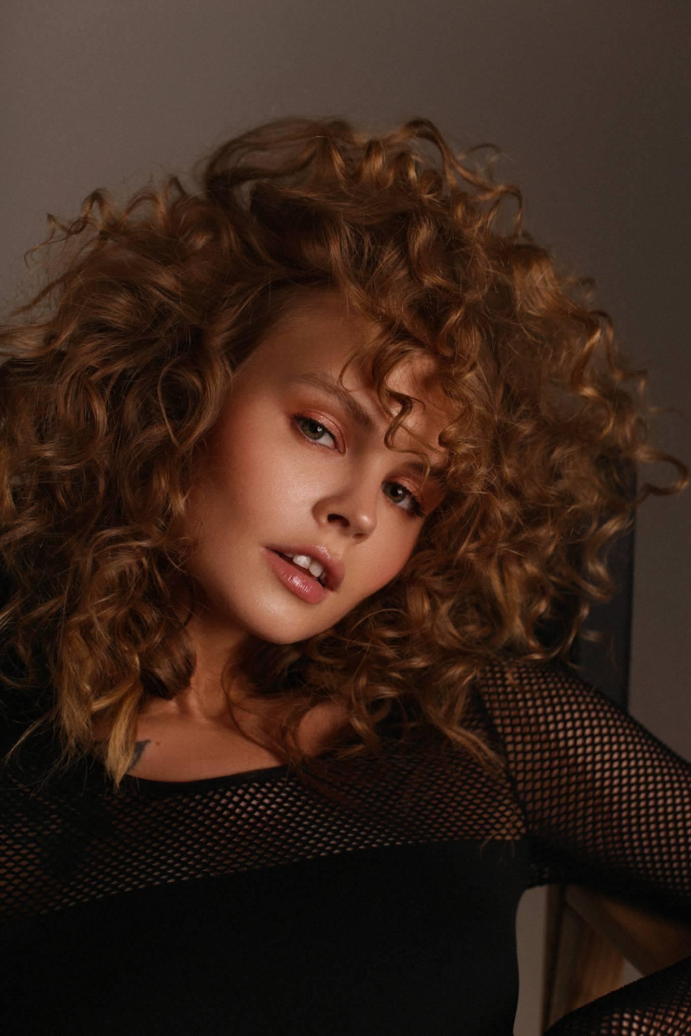 Anastasiya Scheglova – Sexy Body In Beautiful Photoshoot By Tonya Kochneva 0016