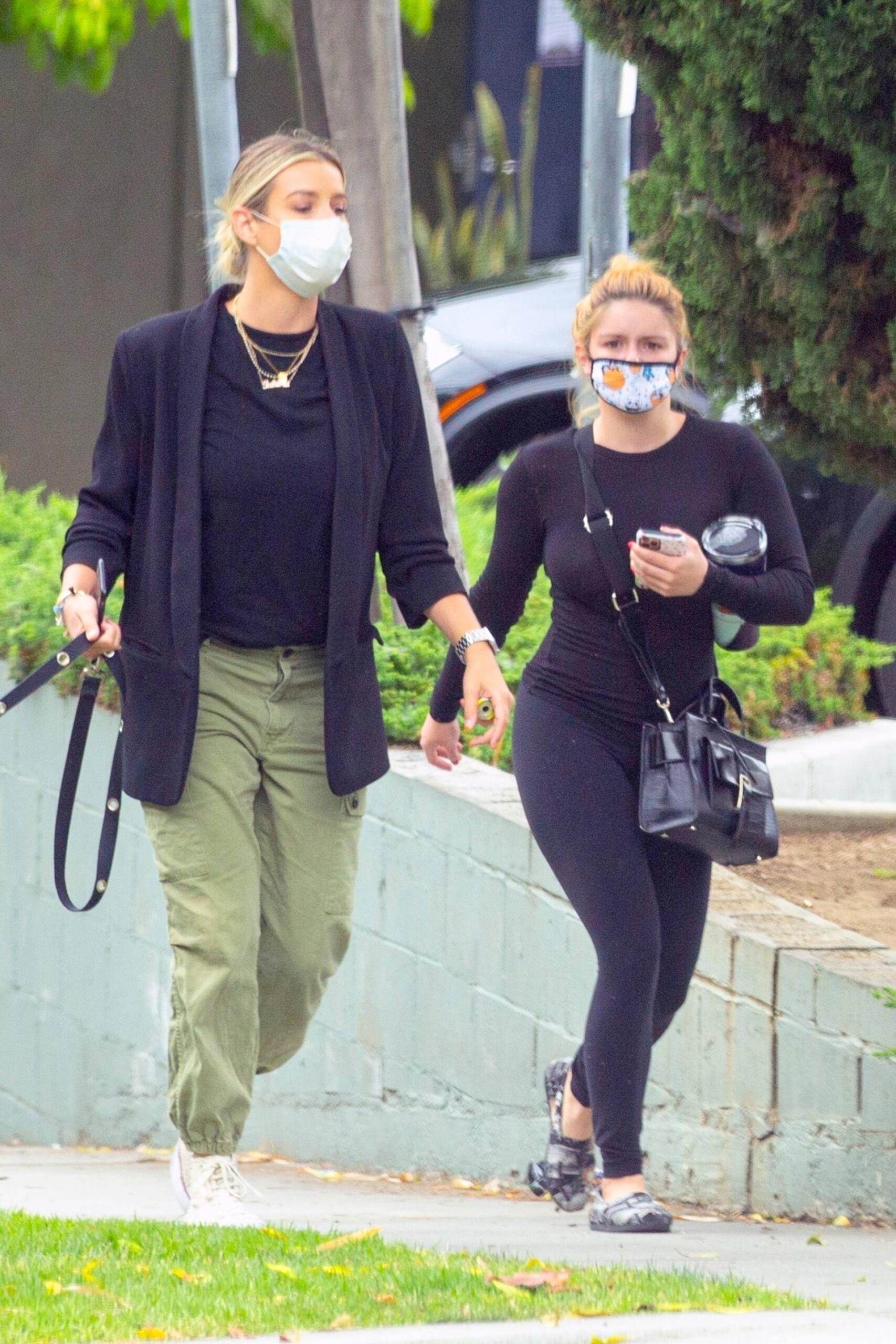 Ariel Winter – Hot Body In Black Leggings Out In West Hollywood 0011