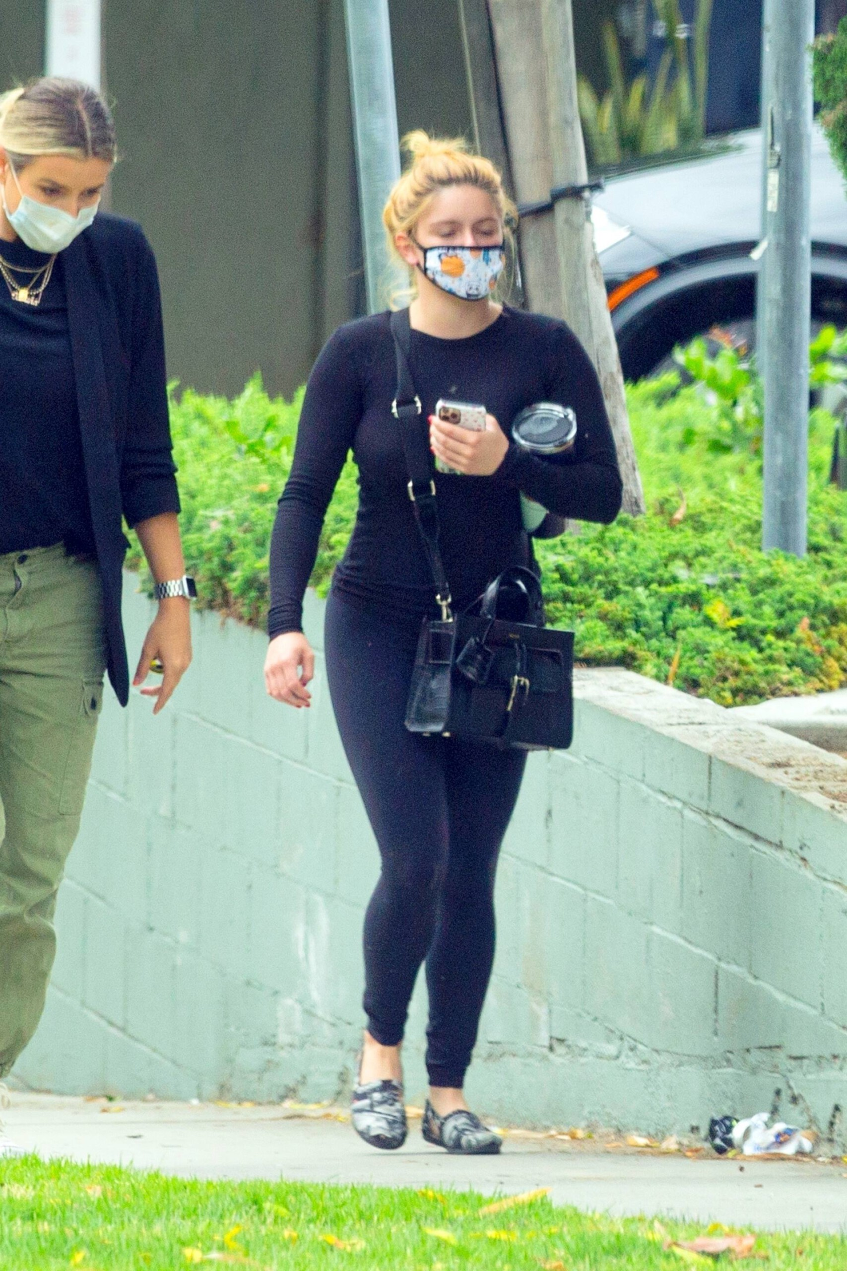 Ariel Winter – Hot Body In Black Leggings Out In West Hollywood 0013