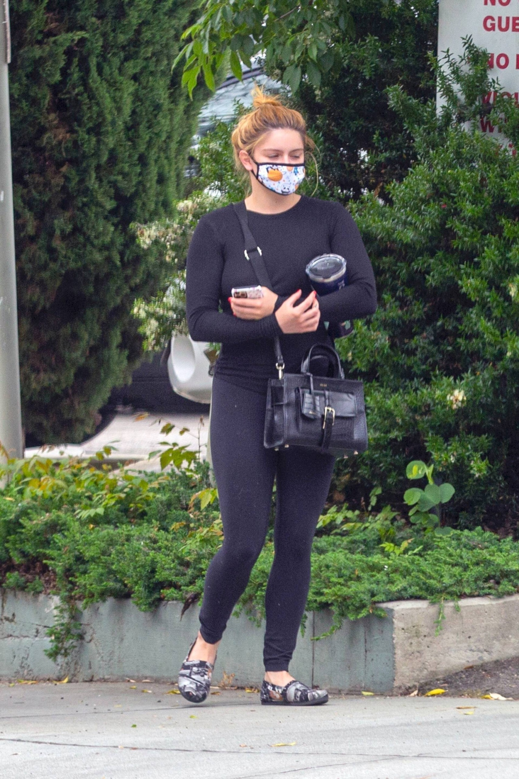 Ariel Winter – Hot Body In Black Leggings Out In West Hollywood 0014