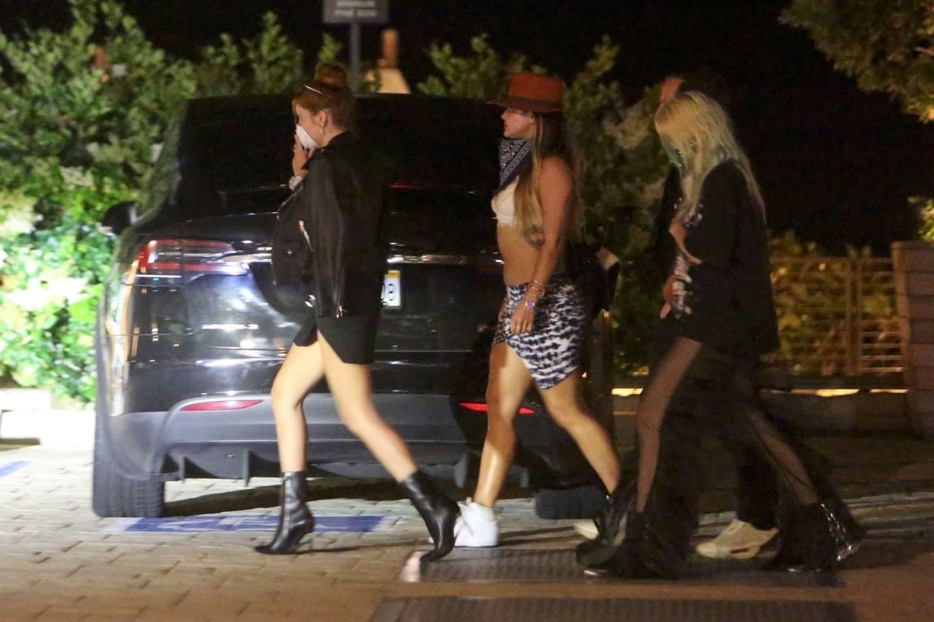 Bella & Dani Thorne – Sexy Legs In Mini Skirts At Nobu In Malibu 0014