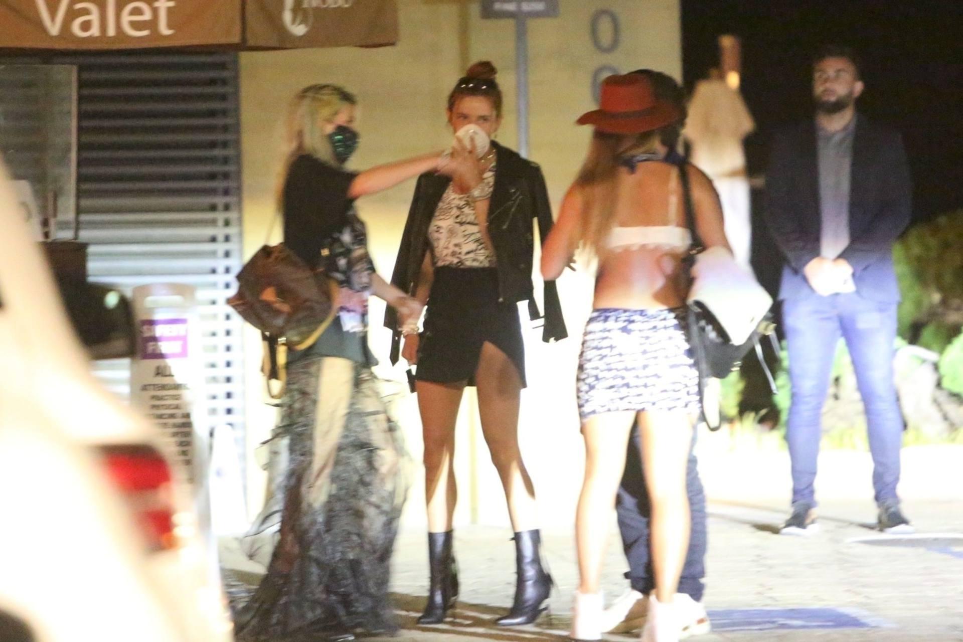 Bella & Dani Thorne – Sexy Legs In Mini Skirts At Nobu In Malibu 0020